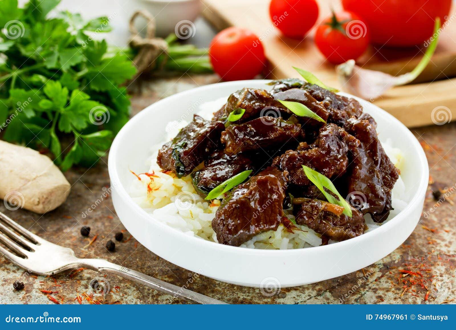 Mongoliskt kött - nötkött i sås med kryddor