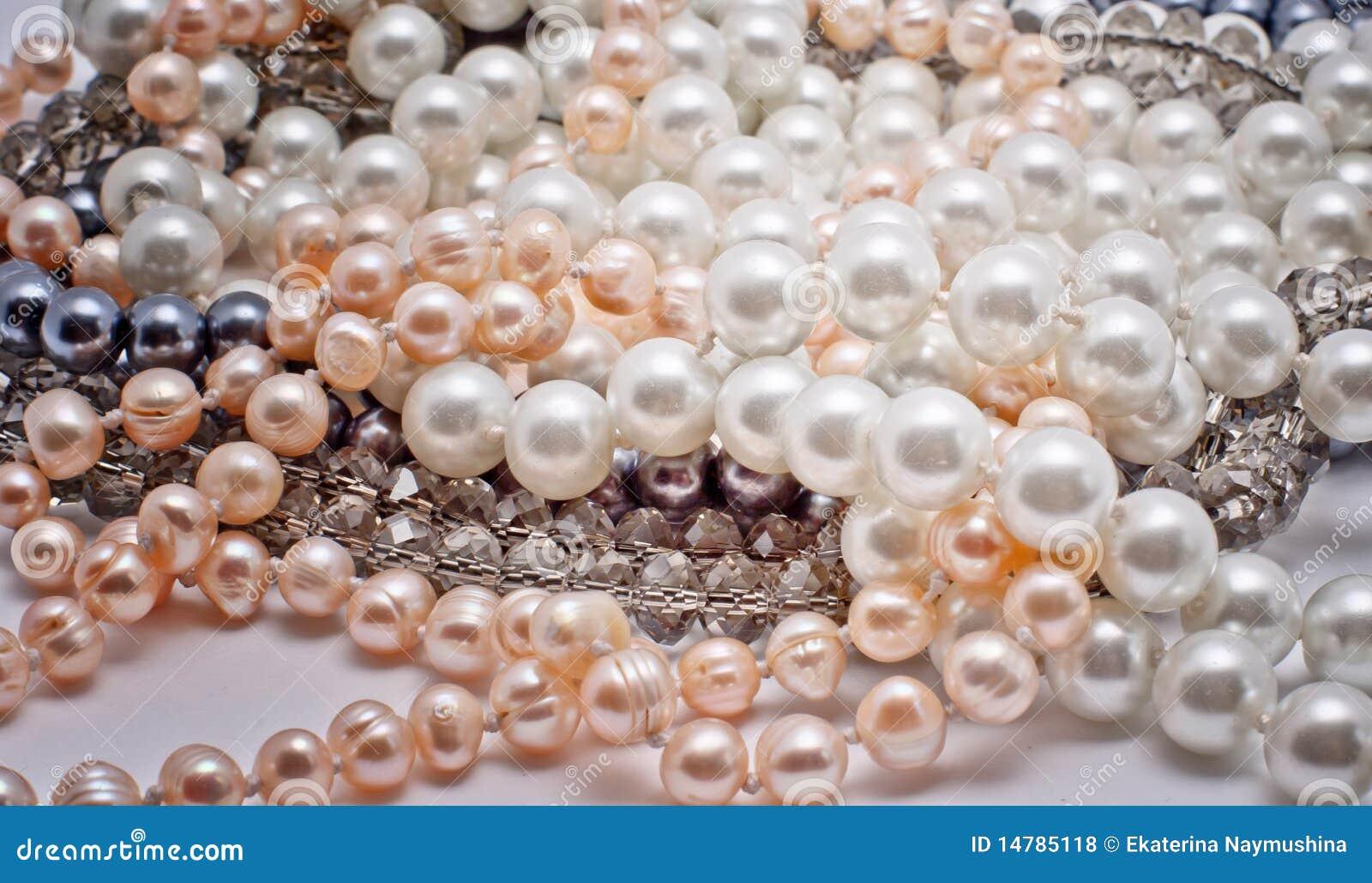Monili delle perle, di vetro e della plastica