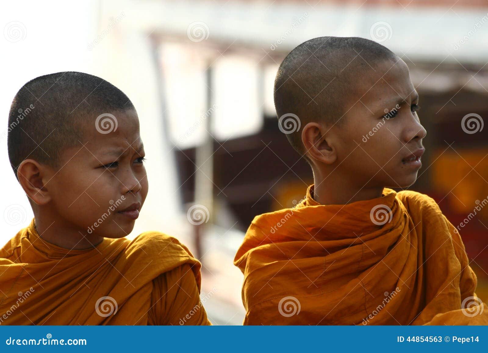 Monjes jovenes en Tailandia