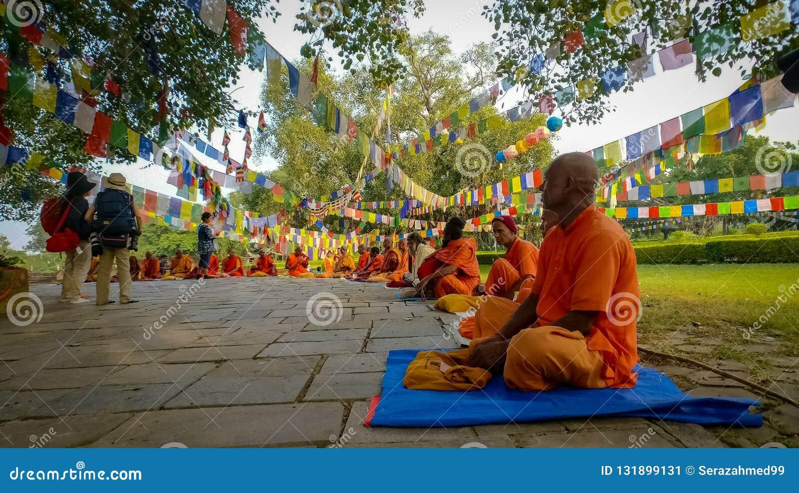 Monniken van Lumbini, Nepal