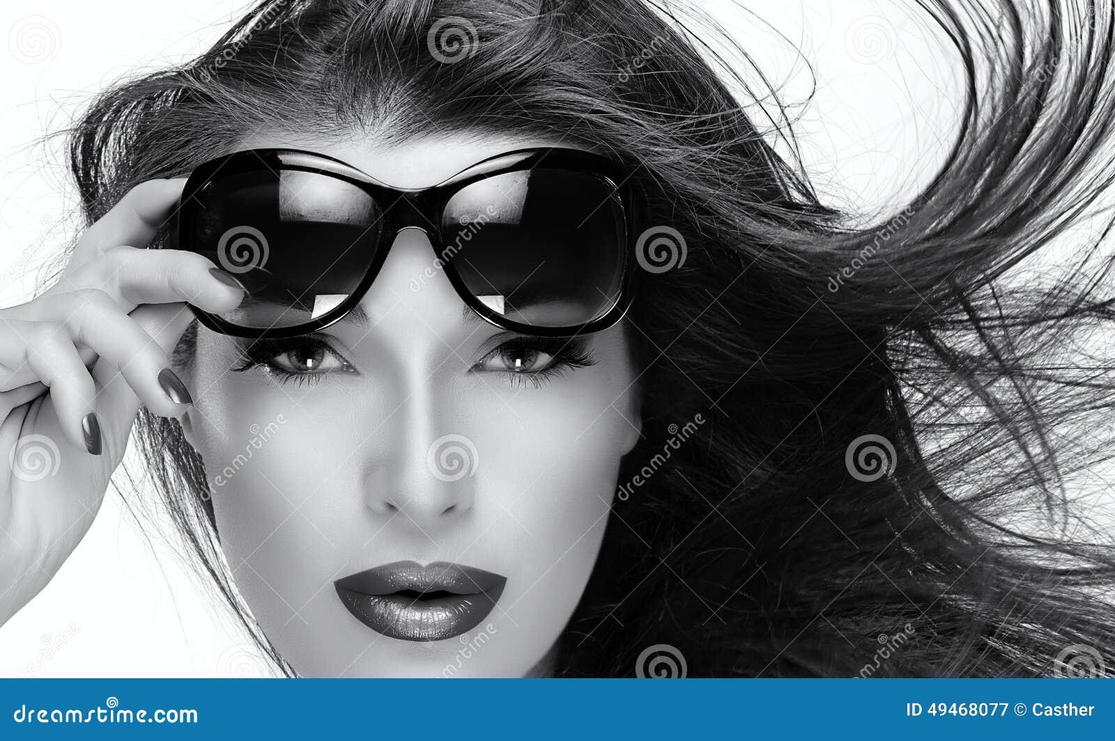 Фотомодели в очках 7 фотография