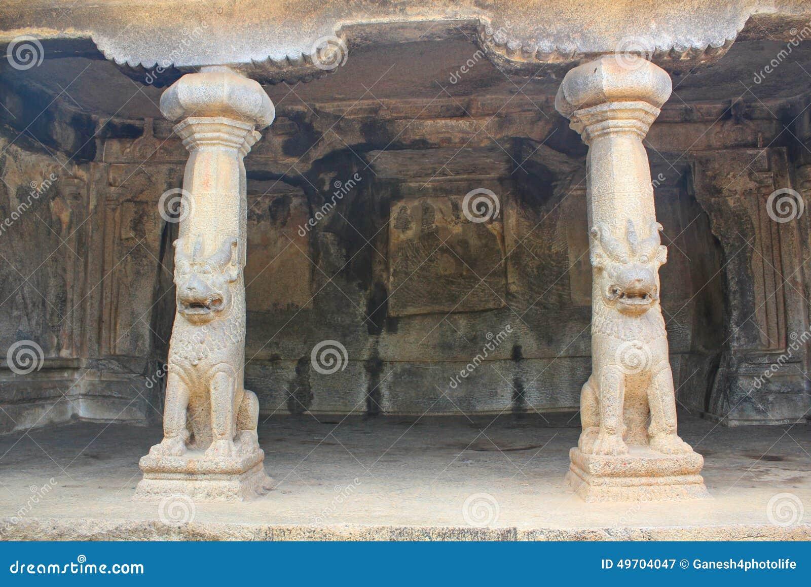 Monolitiskt vagga snittgrottor, Mahabalipuram, Indien