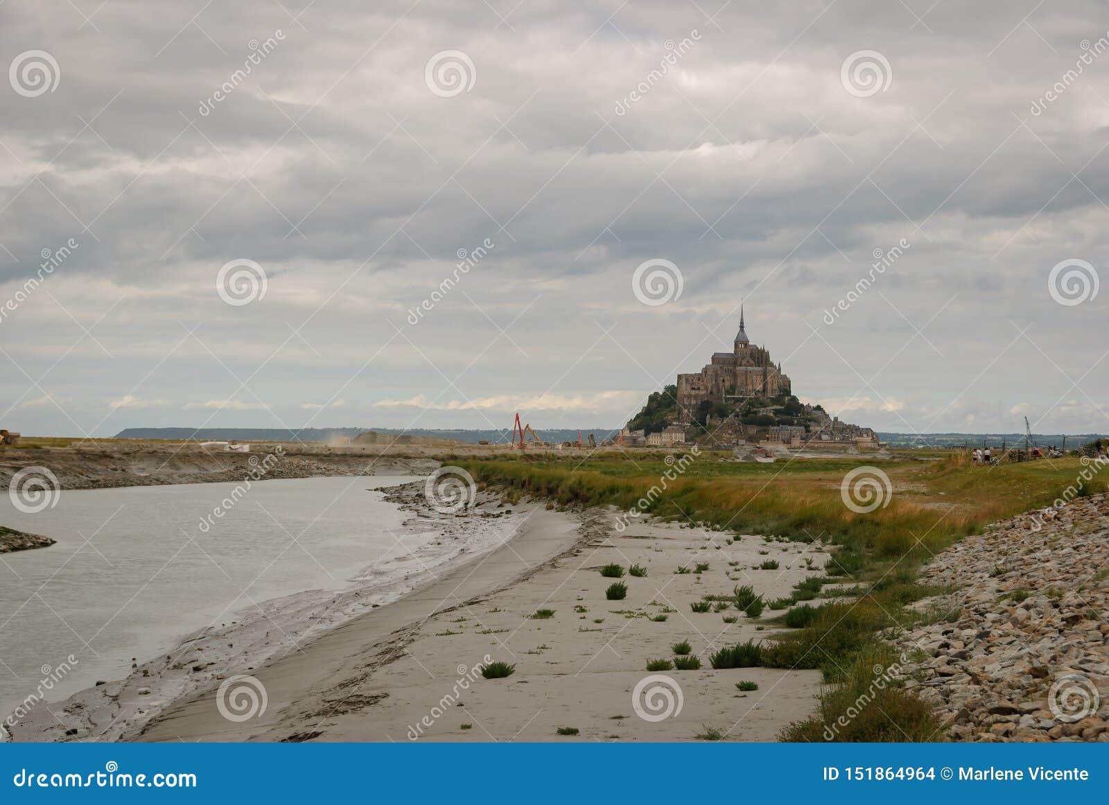 Mont Saint Michel sans accès actuel france
