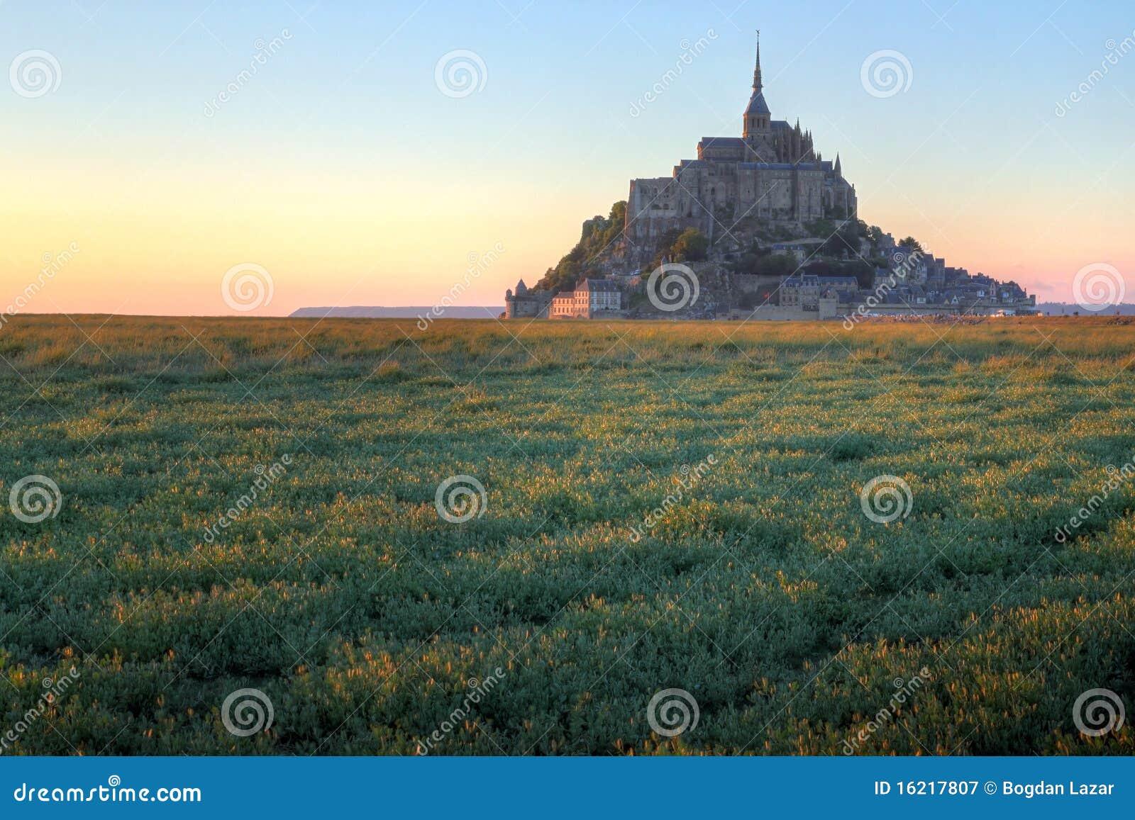 Mont Saint Michel am Sonnenuntergang, Frankreich