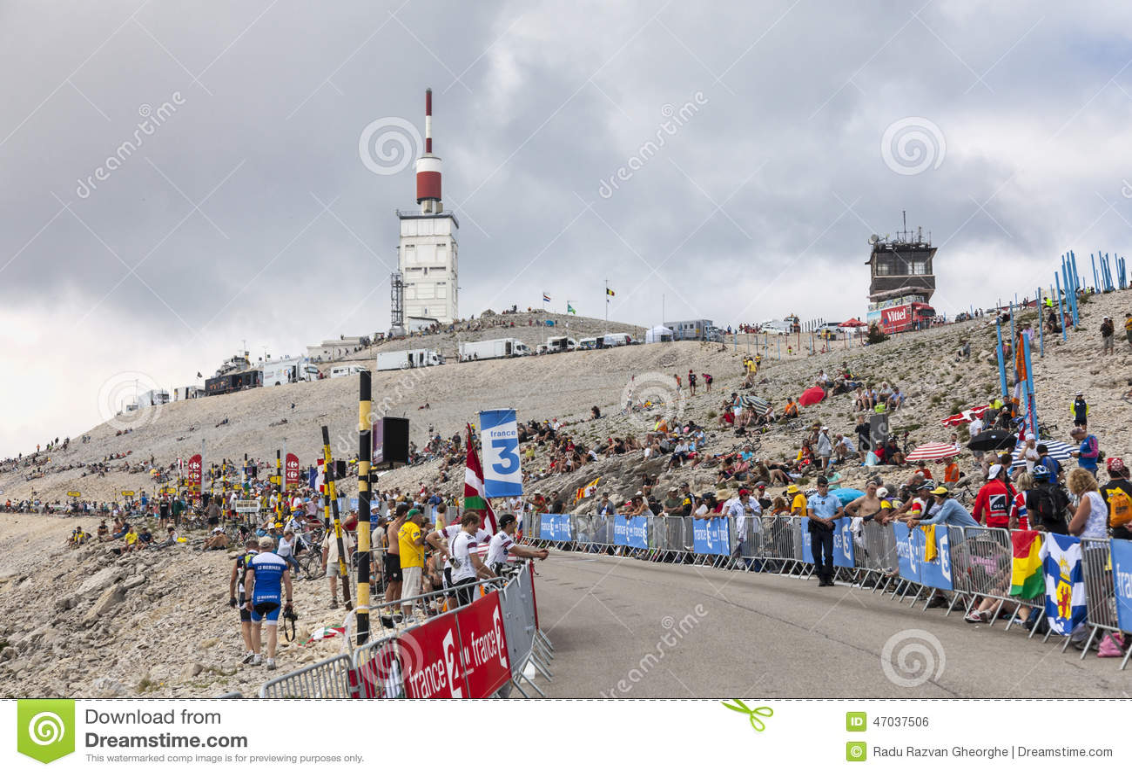 mont ventoux tour de 2013 editorial photo image 47037506