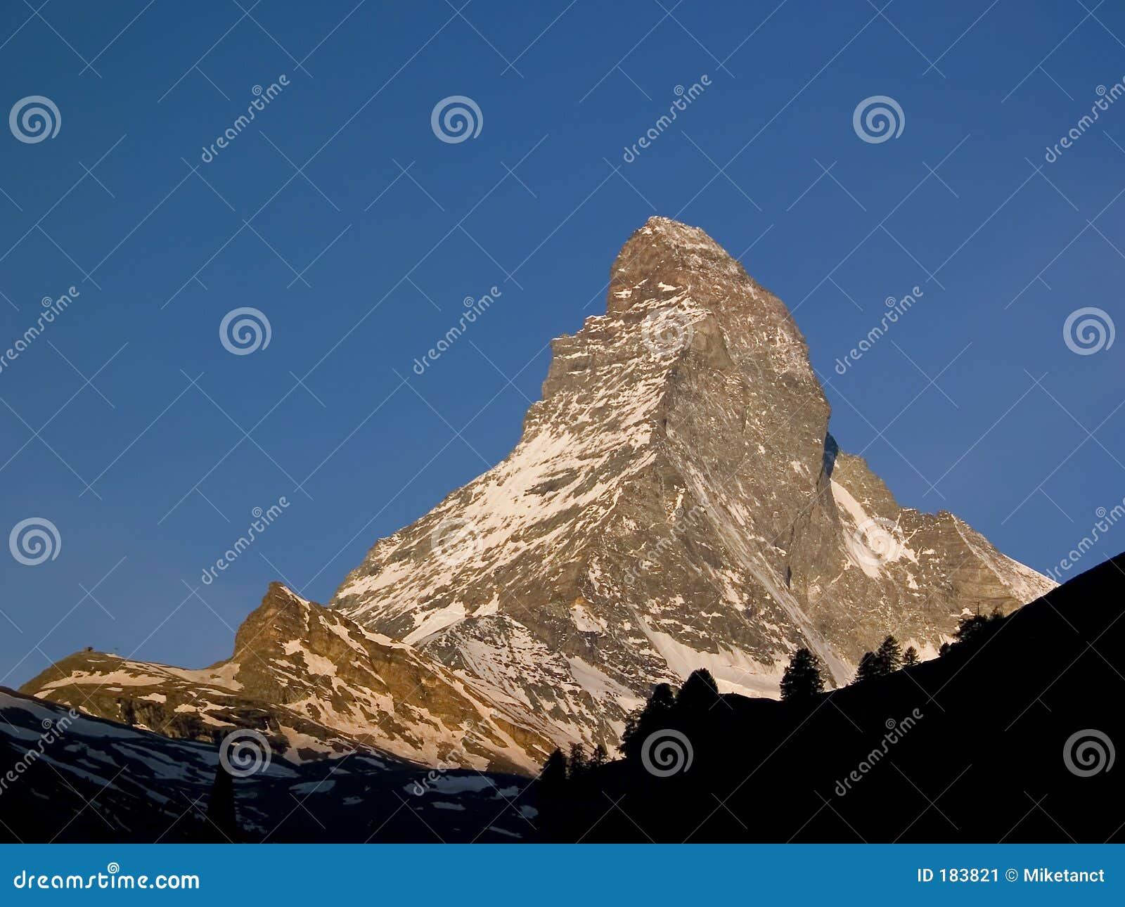 Montaña alpestre Matterhorn Zermatt