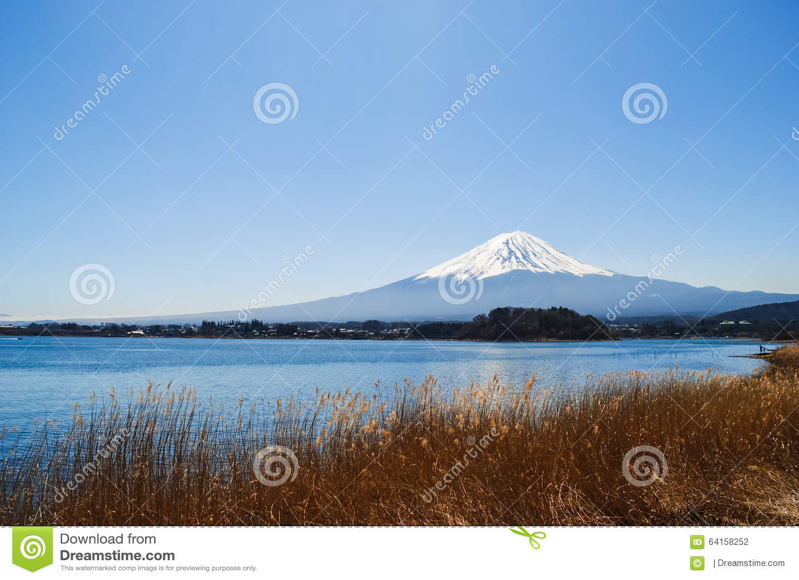 Montaña de Fuji en el lago Kawaguchiko