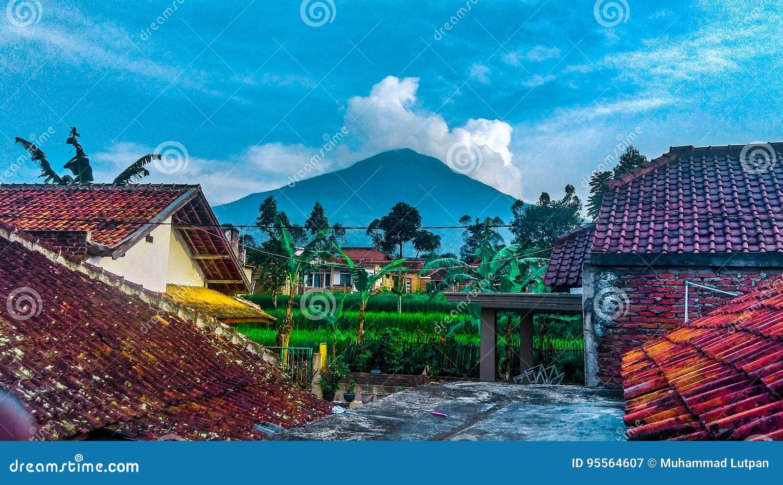 Montaña de la naturaleza