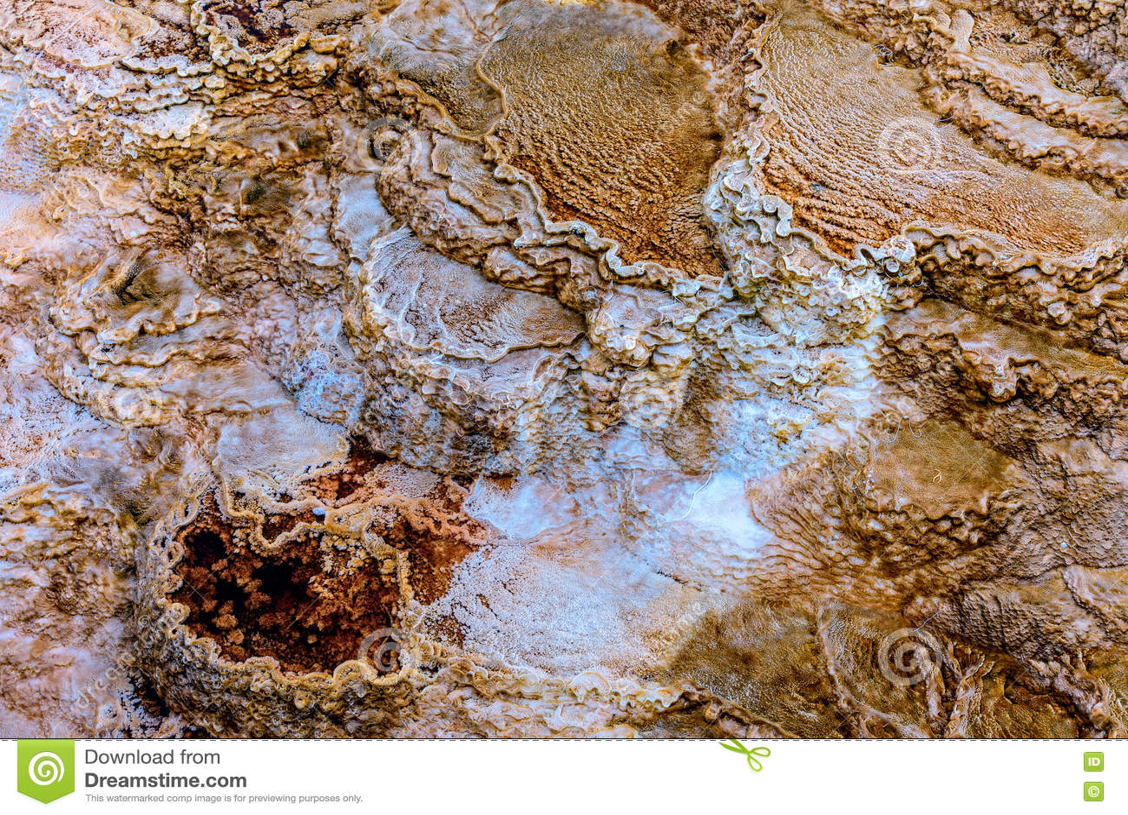 Montaña De La Terraza Piedra Caliza Y Formaciones De Roca