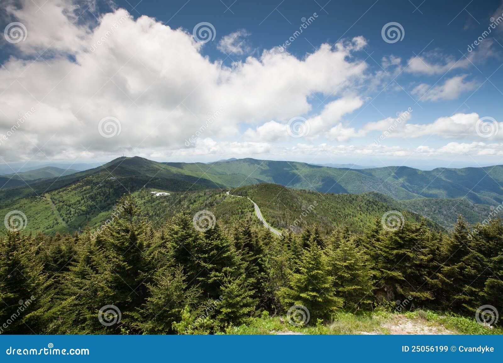 Montañas de Ridge azul Mt Mitchell NC occidental