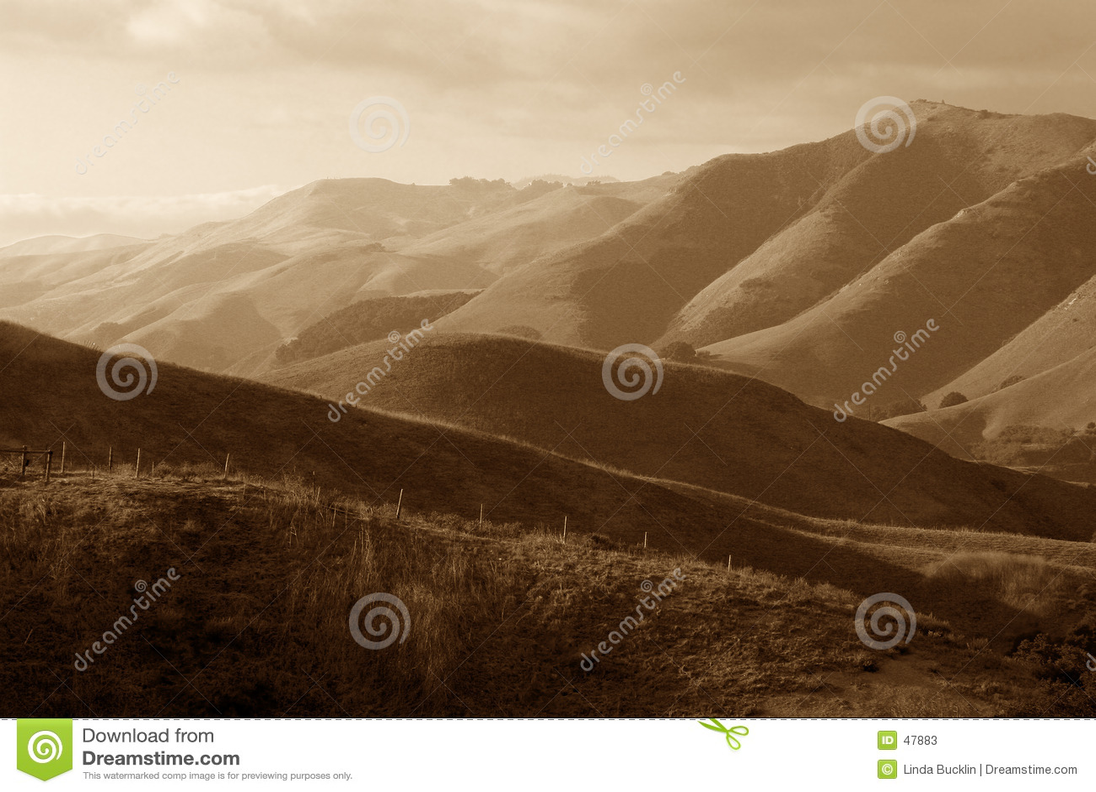 Montañas distantes
