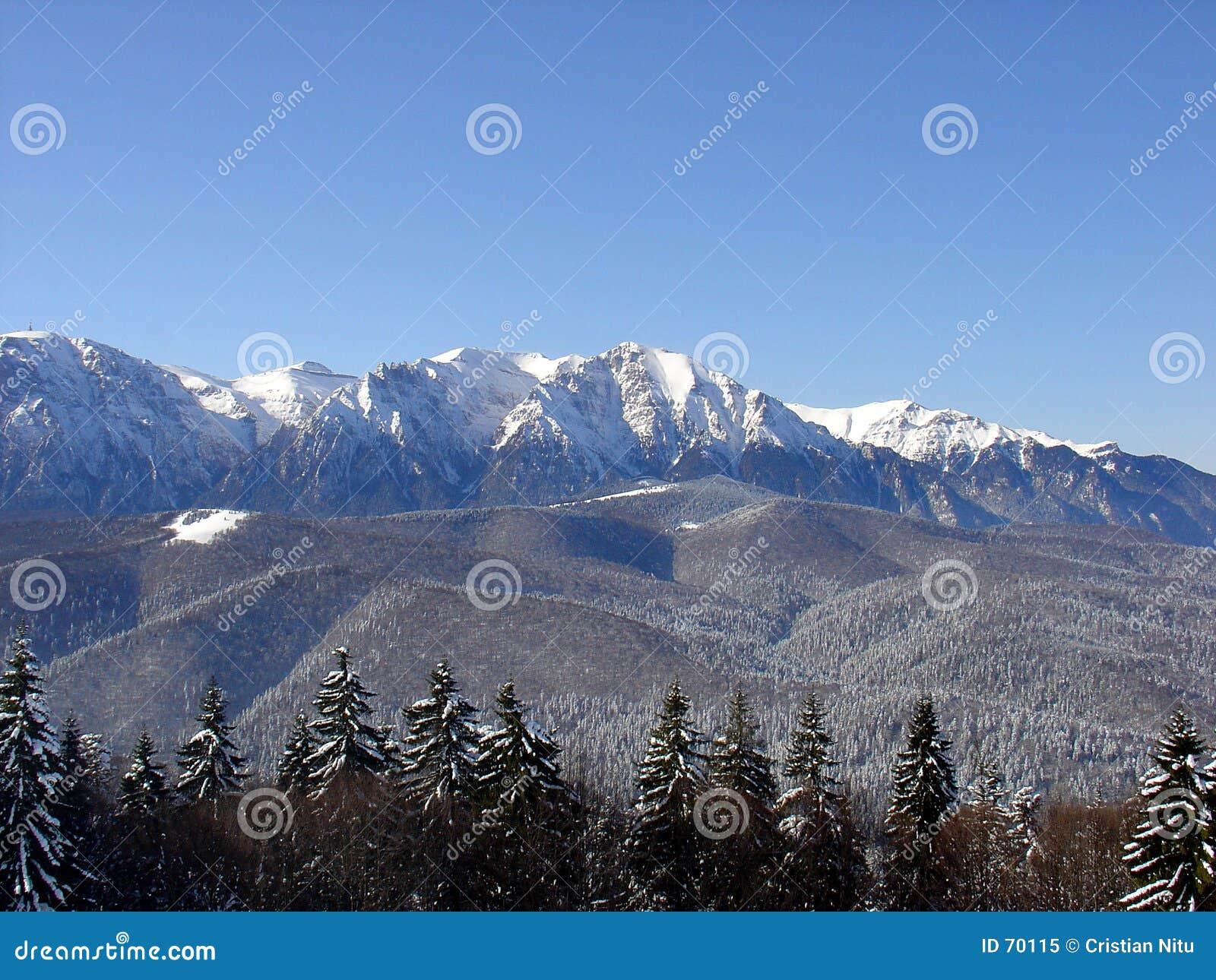 Montañas en el invierno