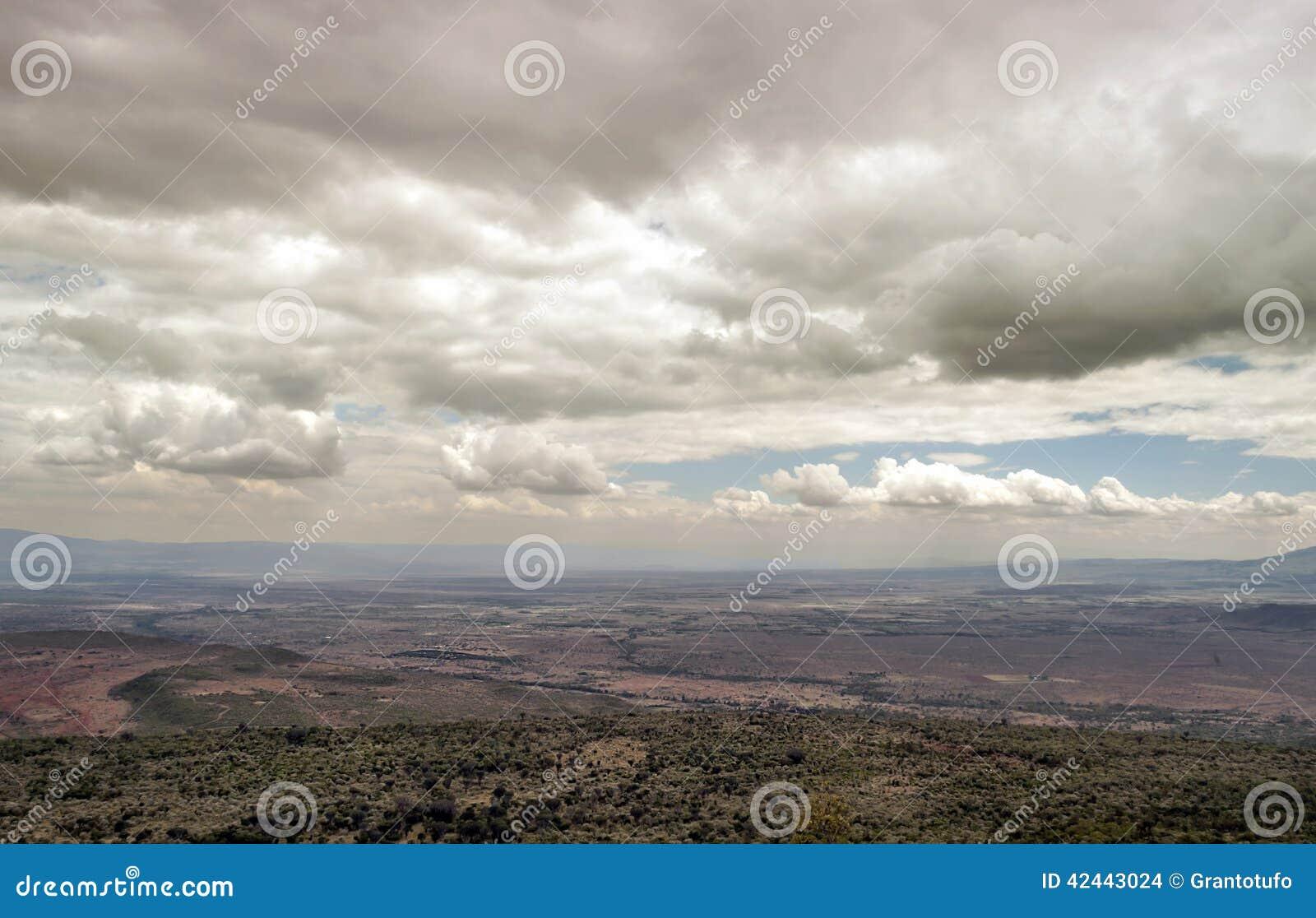 Montañas en un valle de Kenia