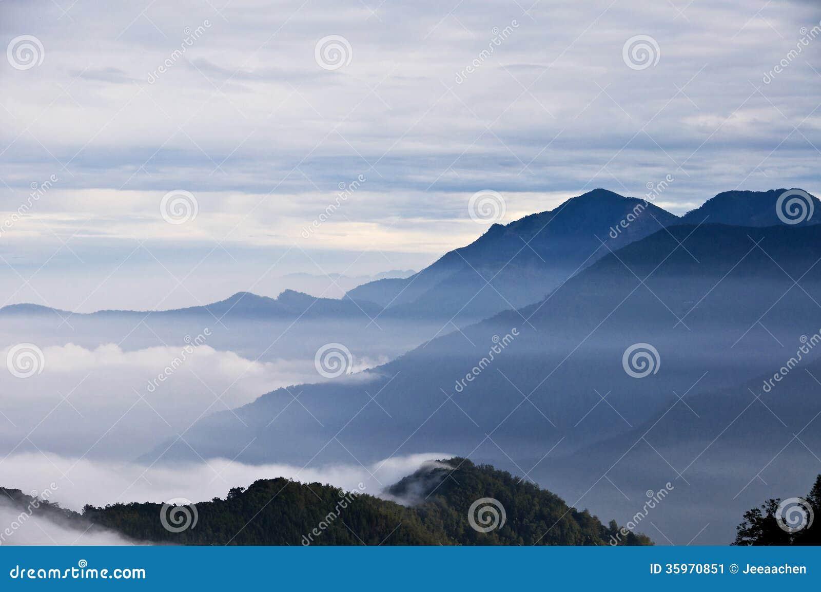 Montañas hermosas de Taiwán