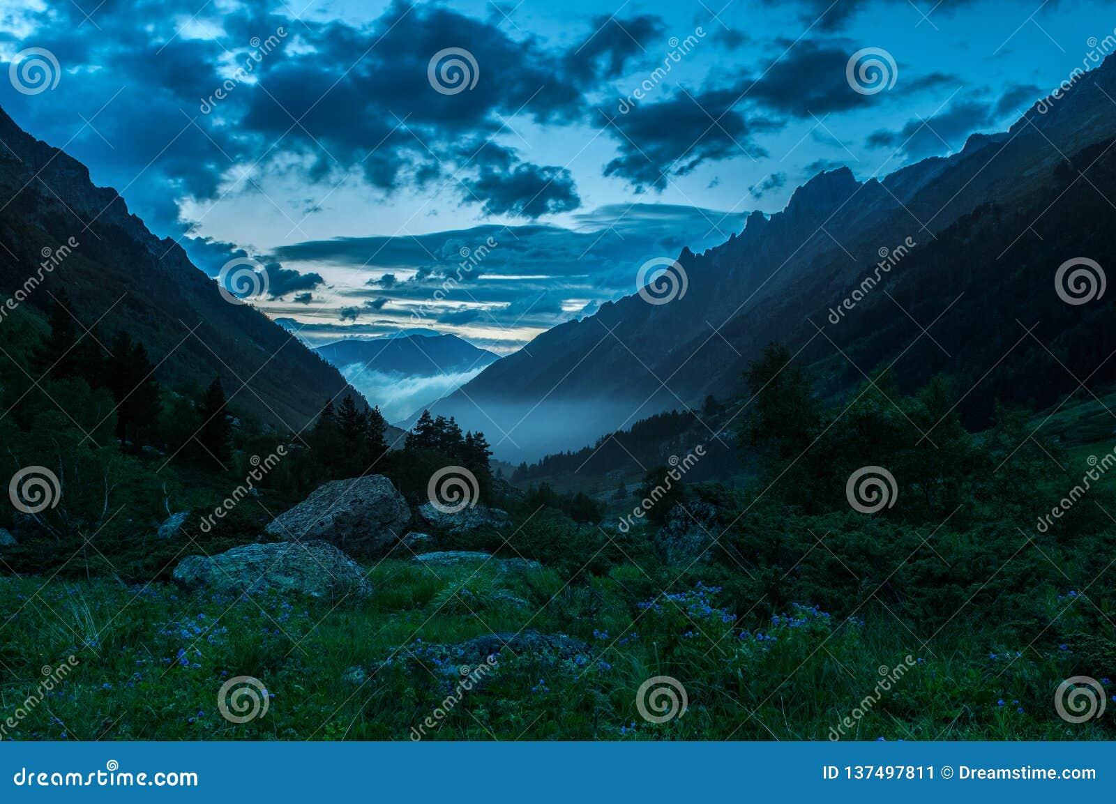 Montañas, viaje, naturaleza, lugar hermoso, nieve, hielo