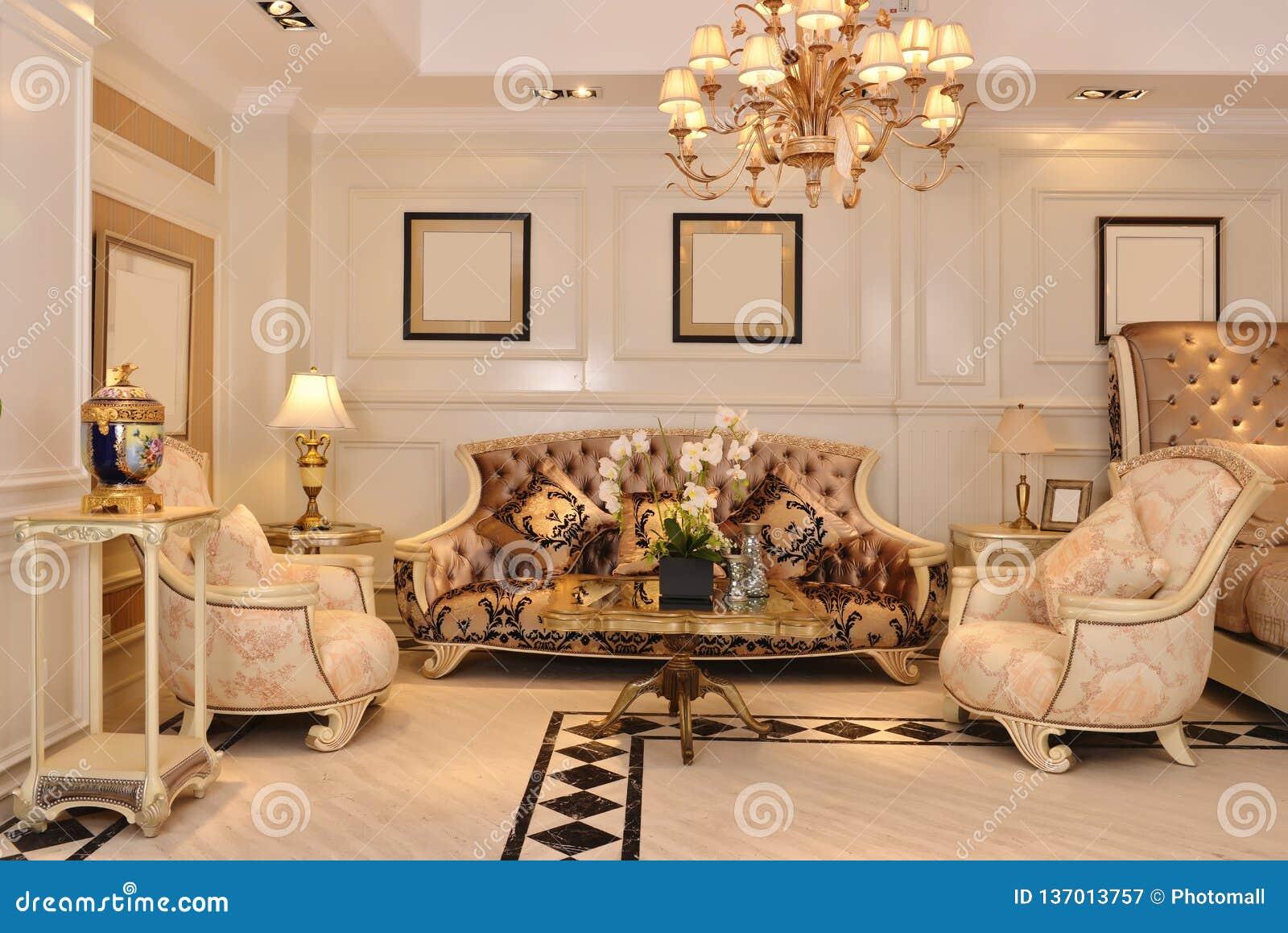 Montage De Luxe De Meubles De Salon Image stock - Image du ...