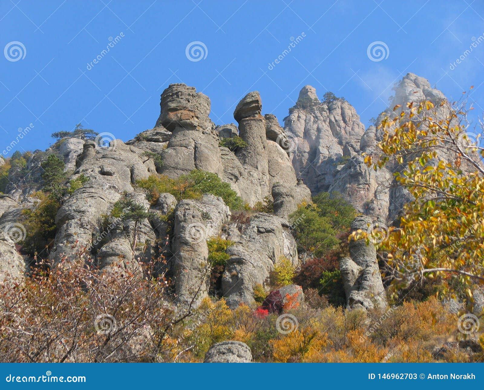 Montagna Demerdji - valle del fantasma - Alushta, Russia