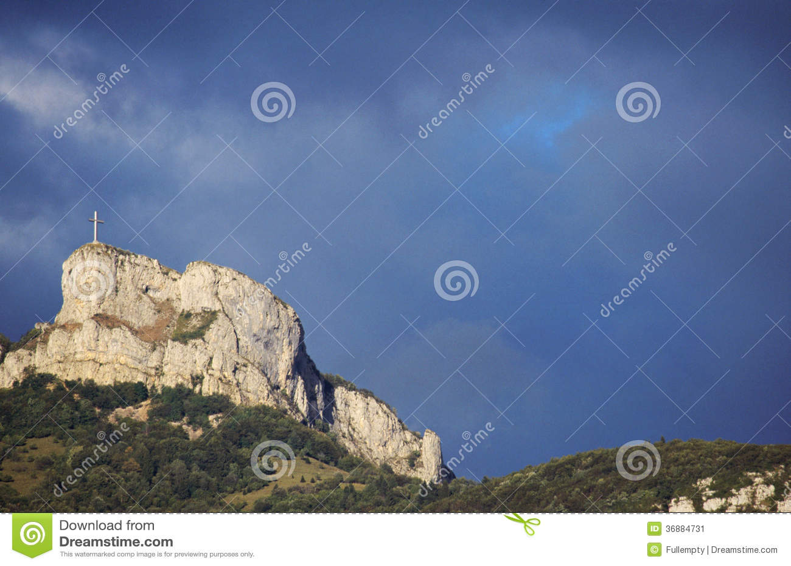 Download Montagna Ed Incrocio Di Nivolet Vicino A Chambery, Francia Immagine Stock - Immagine di verde, savoy: 36884731