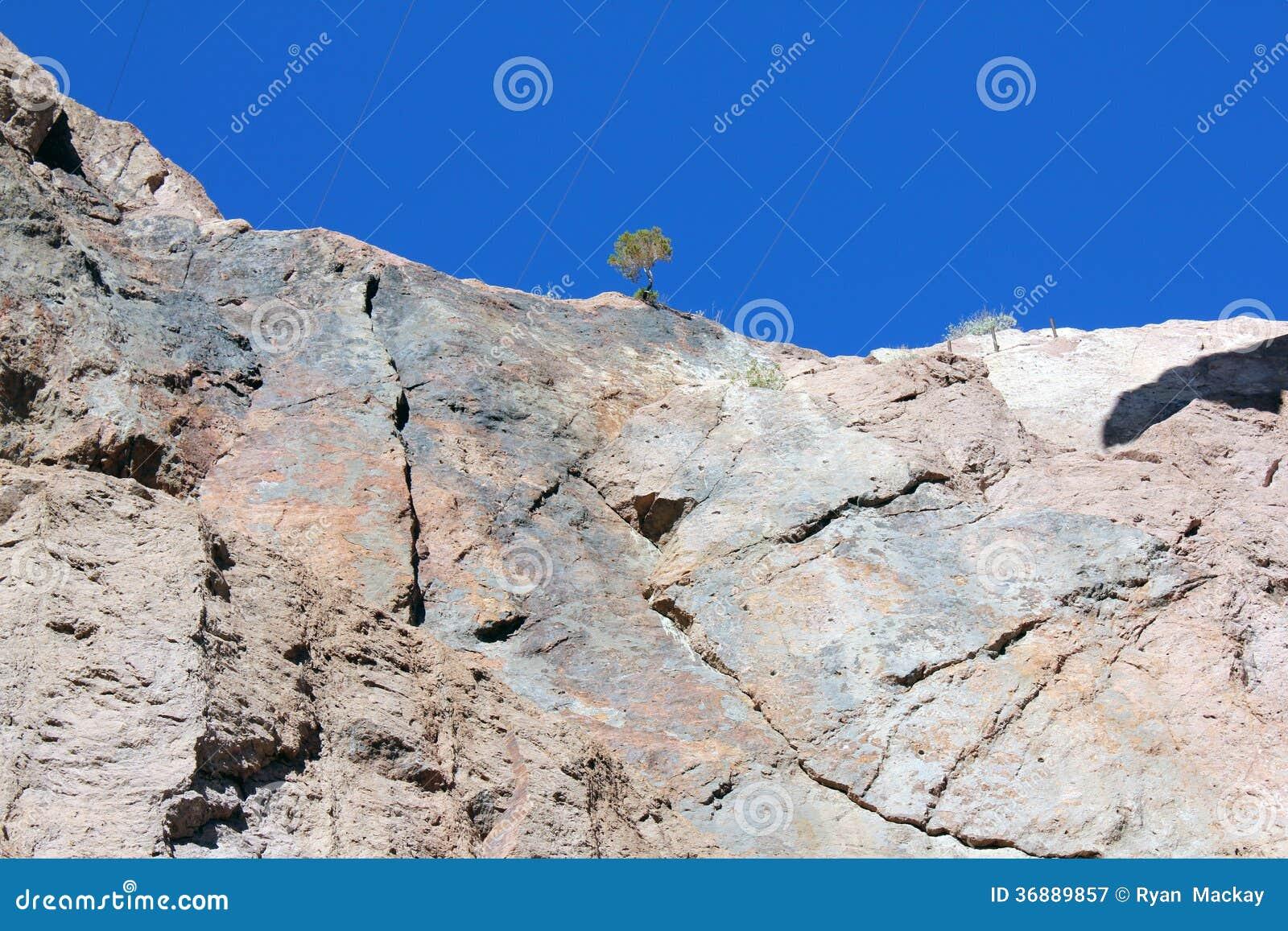 Download Montagne immagine stock. Immagine di ricorso, vegas, rosso - 36889857