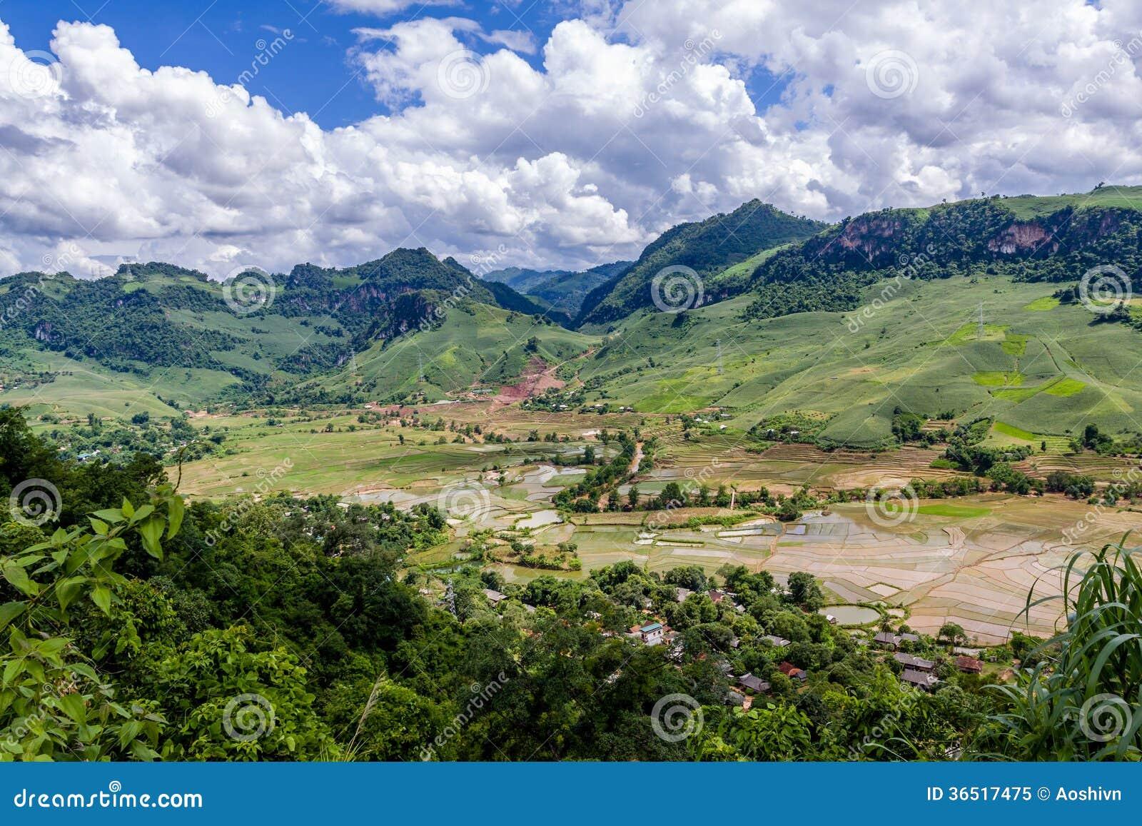 Montagne chez le Vietnam du Nord