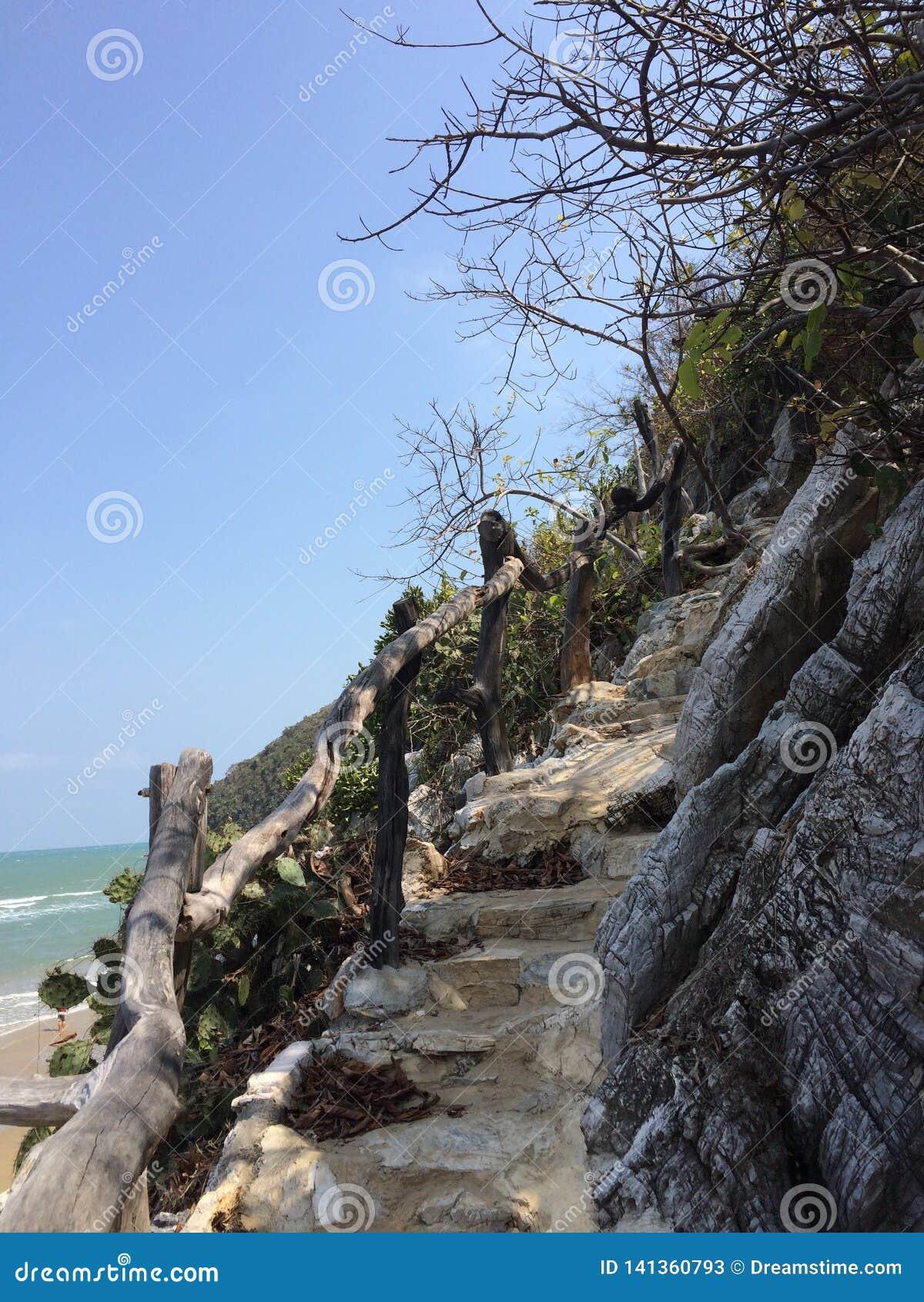 Montagne de crâne de Khao Kalok