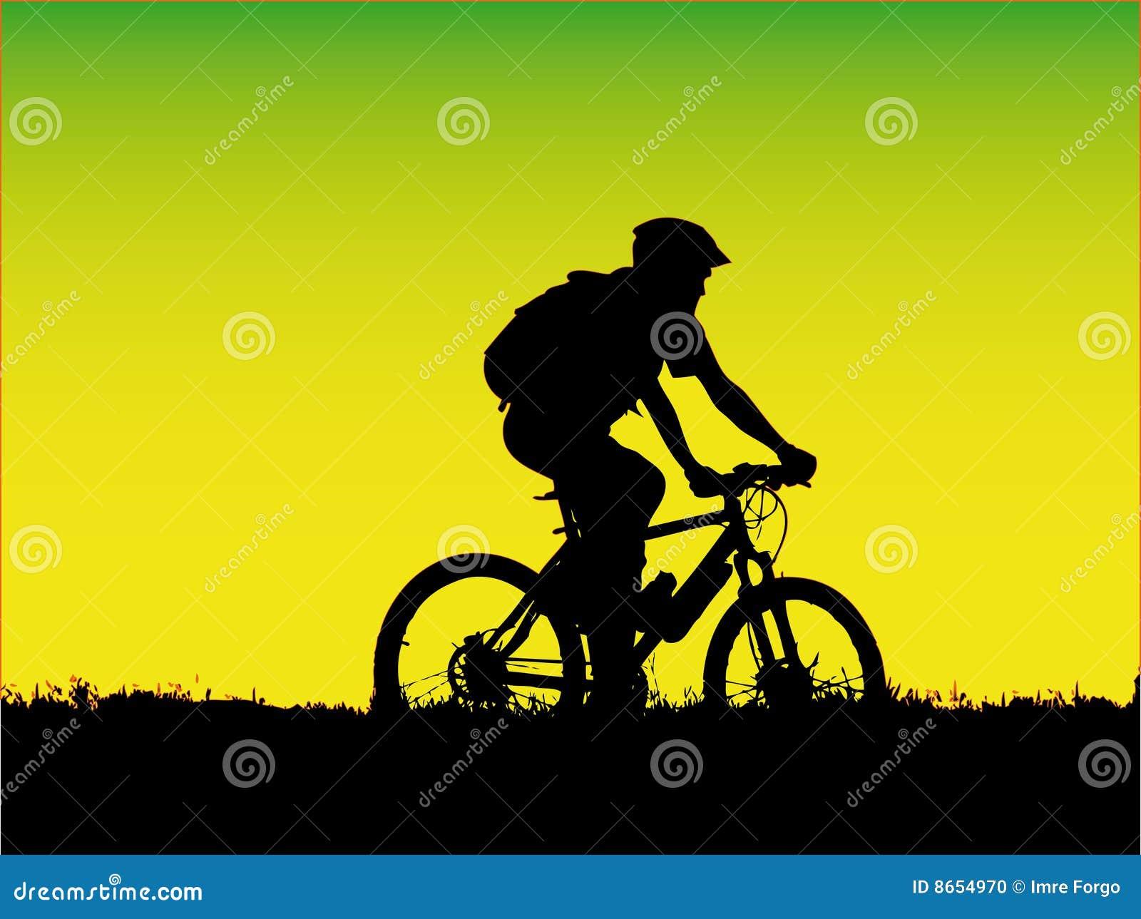 Montagne de fille de cycliste