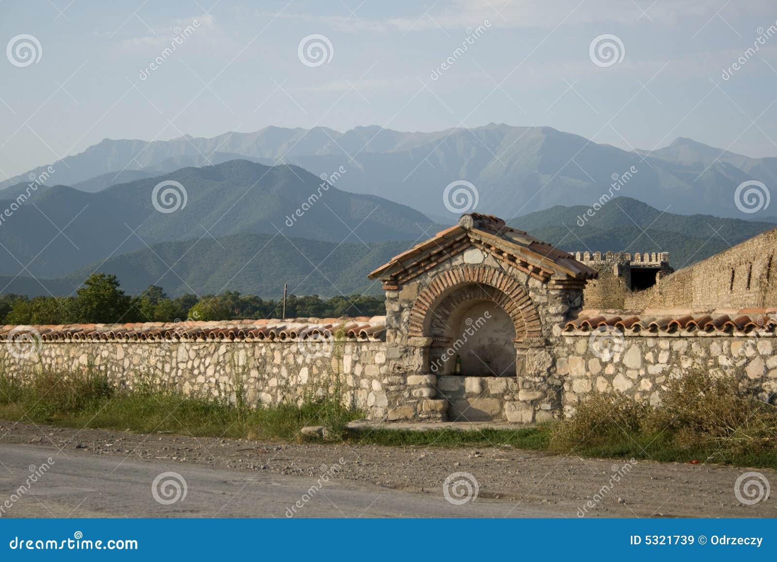 Download Montagne di Caucaso immagine stock. Immagine di precetti - 5321739