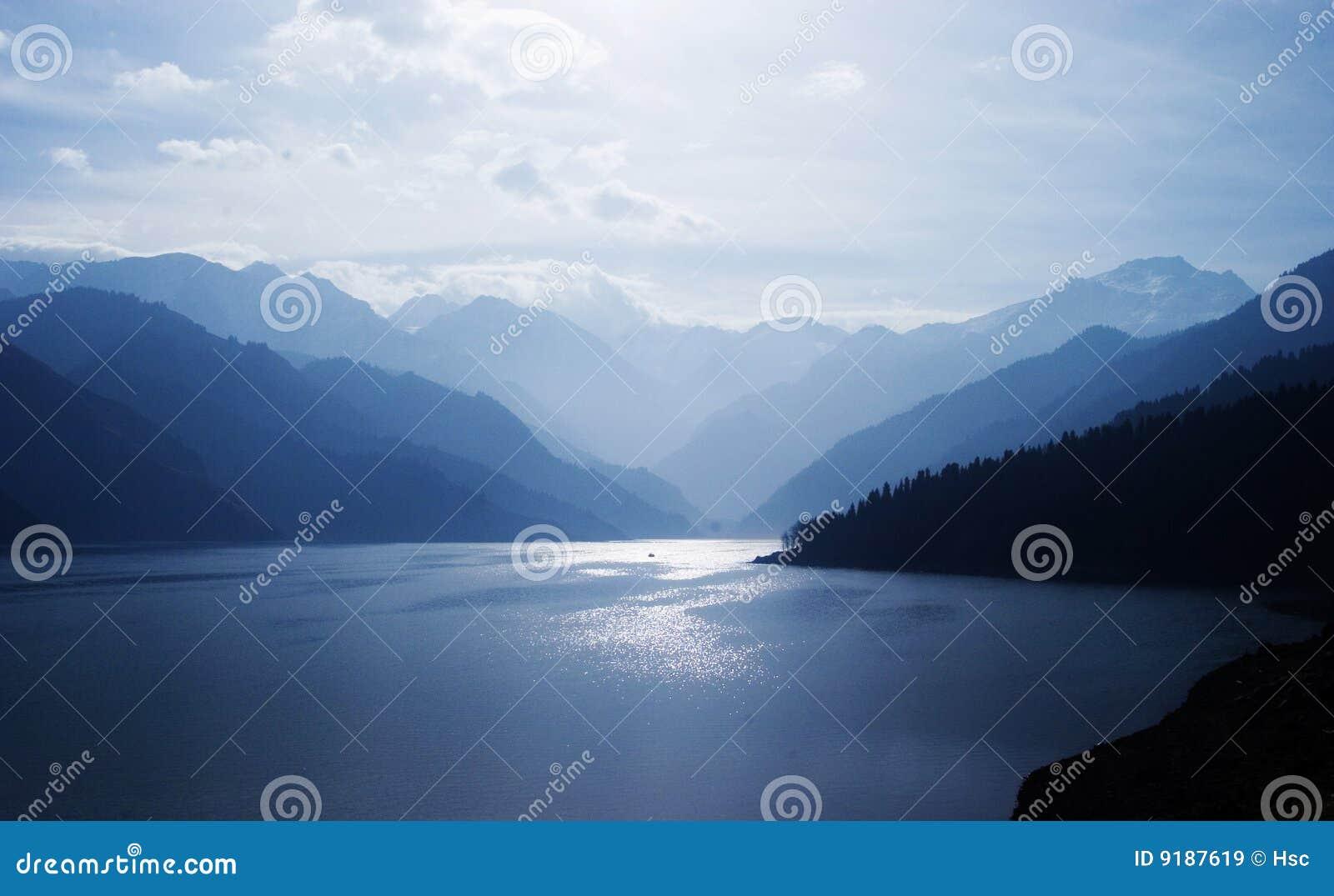 Montagne e lago