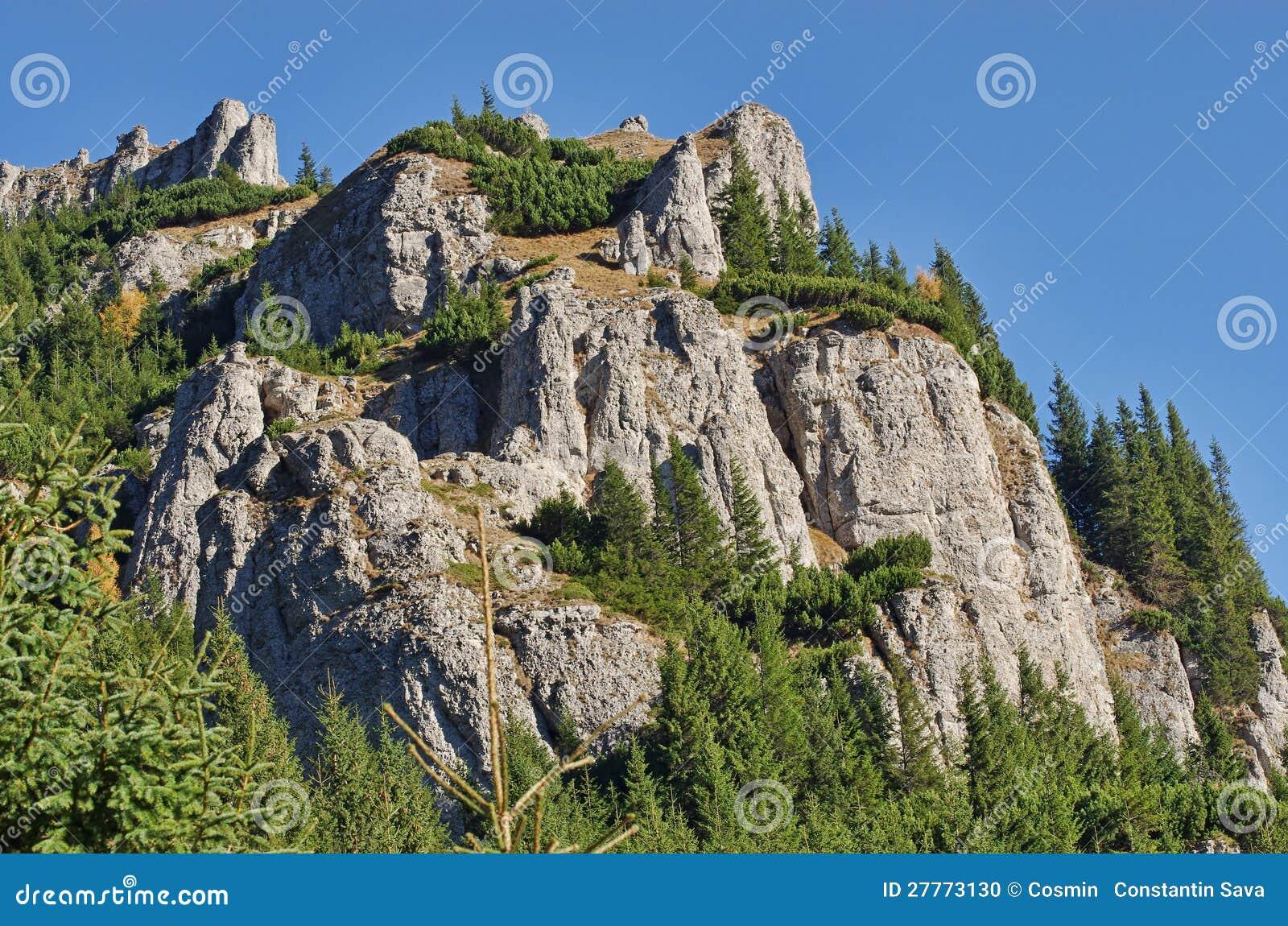 Montagne en pierre