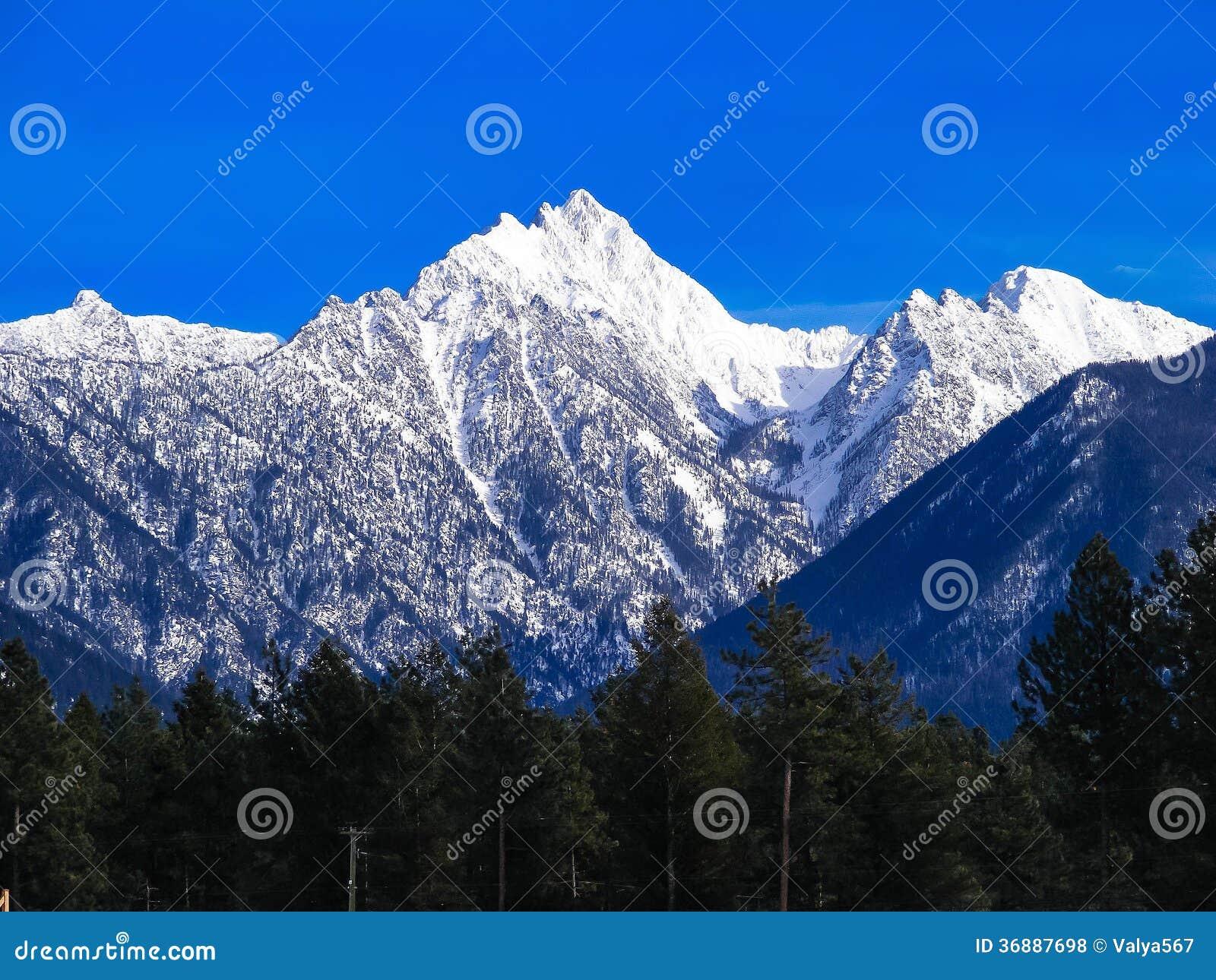 Download Montagne Rocciose fotografia stock. Immagine di greatness - 36887698