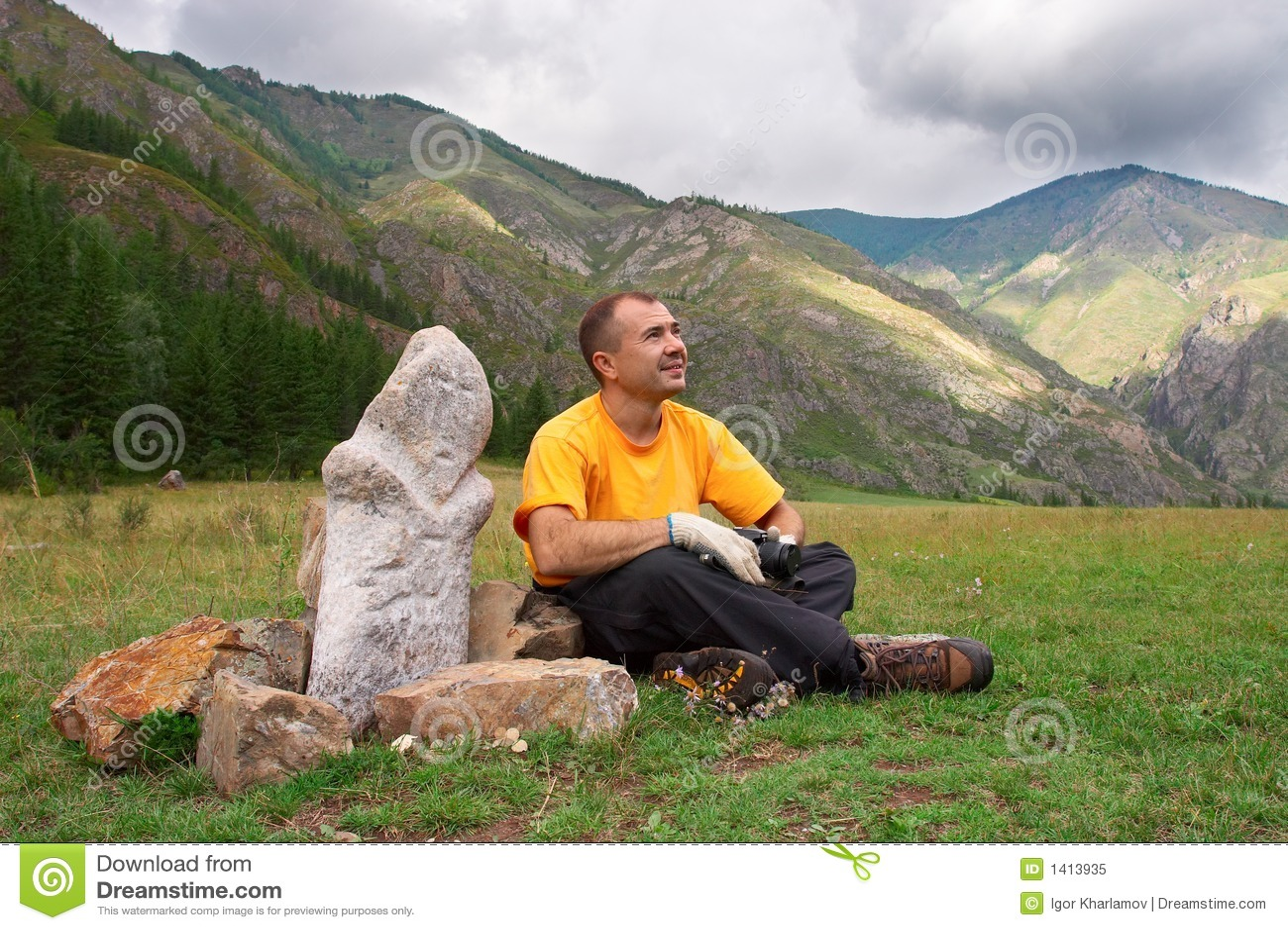 Montagne, uomini e idolo.