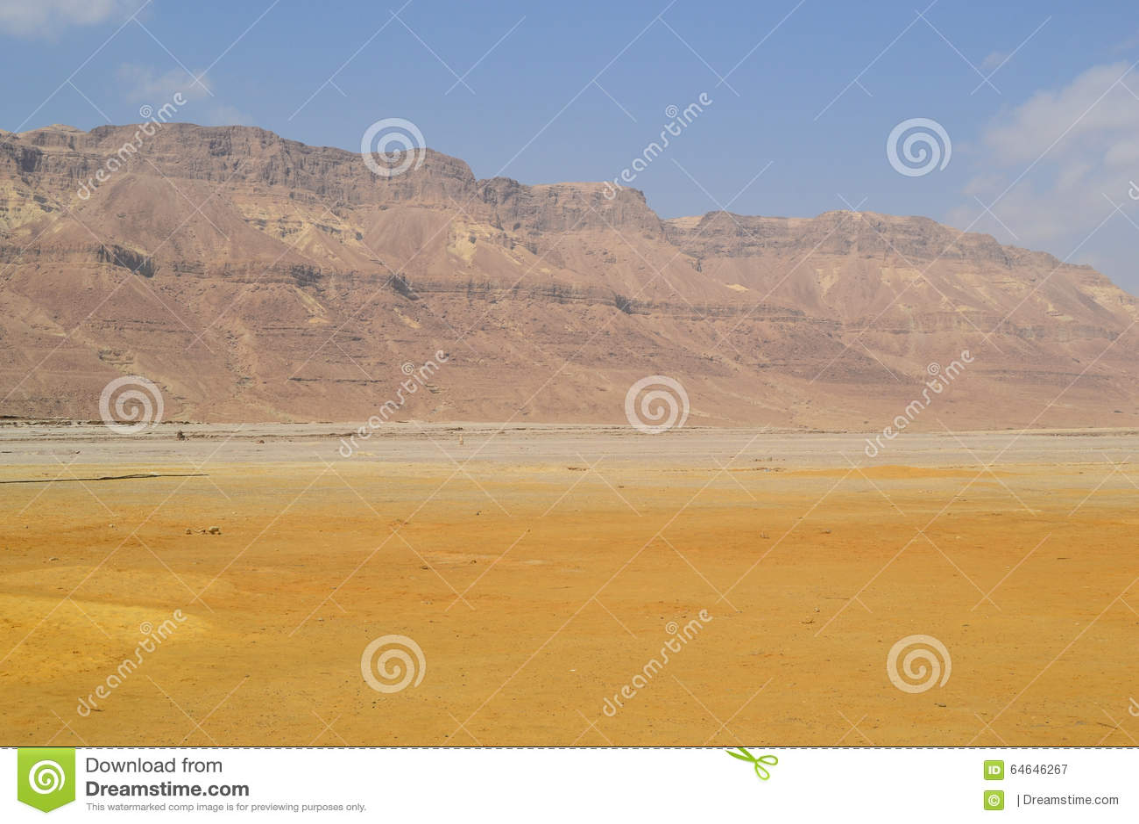 Montagnes de désert près de la mer morte