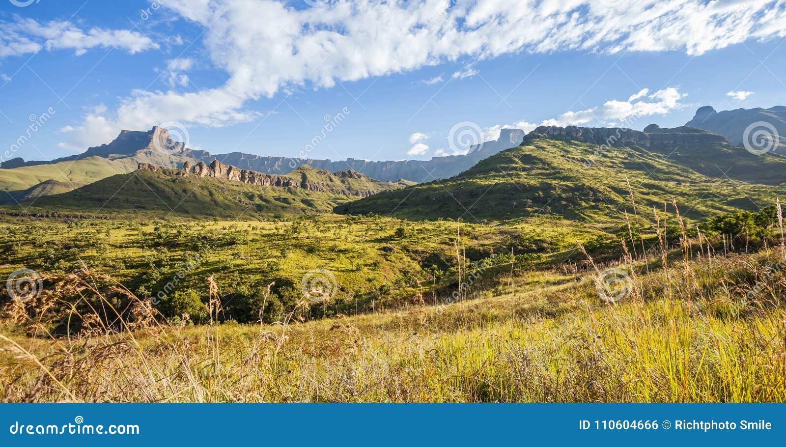 Montagnes de Drakensberg en Afrique du Sud