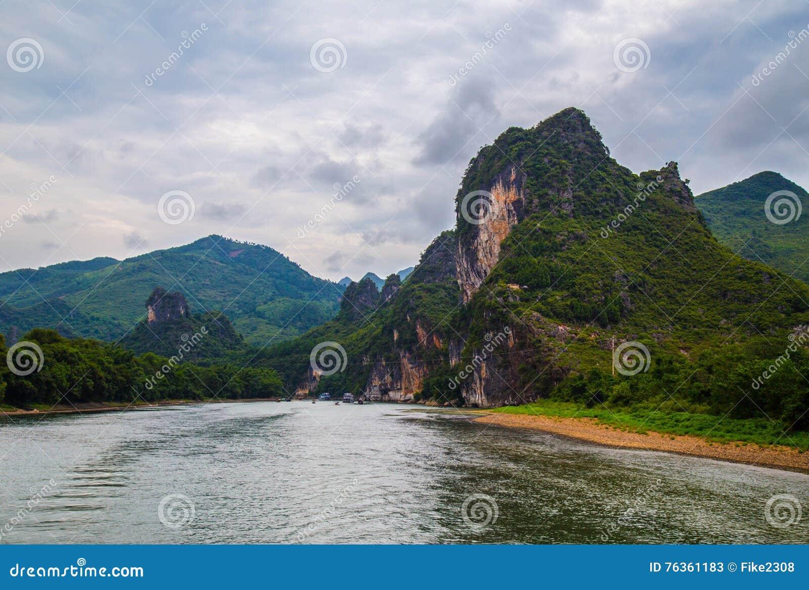 Montagnes de Karst à Guilin, Chine