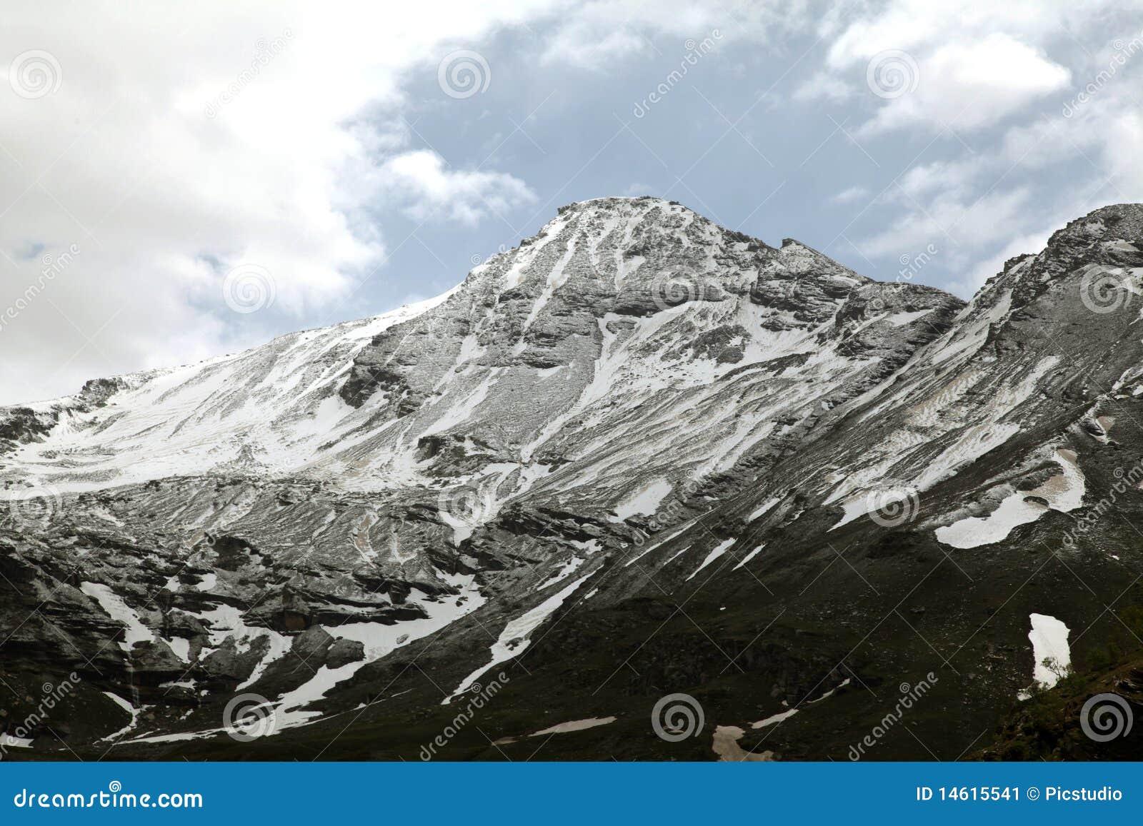 Montagnes de passage de Rohtang