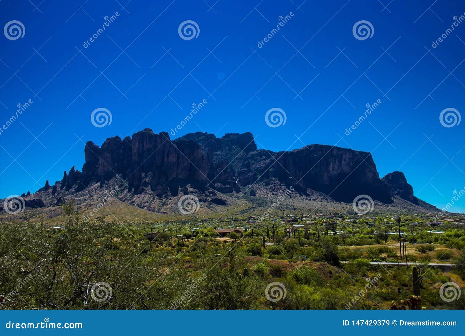 Montagnes de superstition de l Arizona