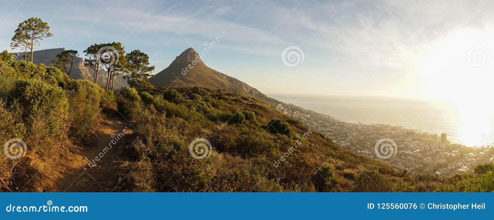 Montagnes de Tableau de Cape Town en Afrique du Sud