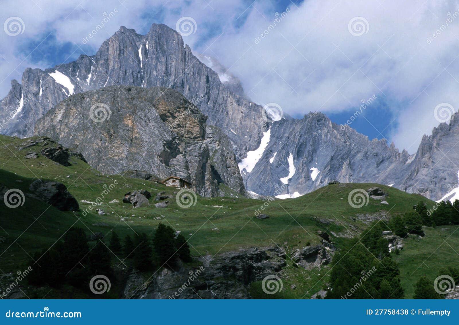 Montagnes en la Savoie - France