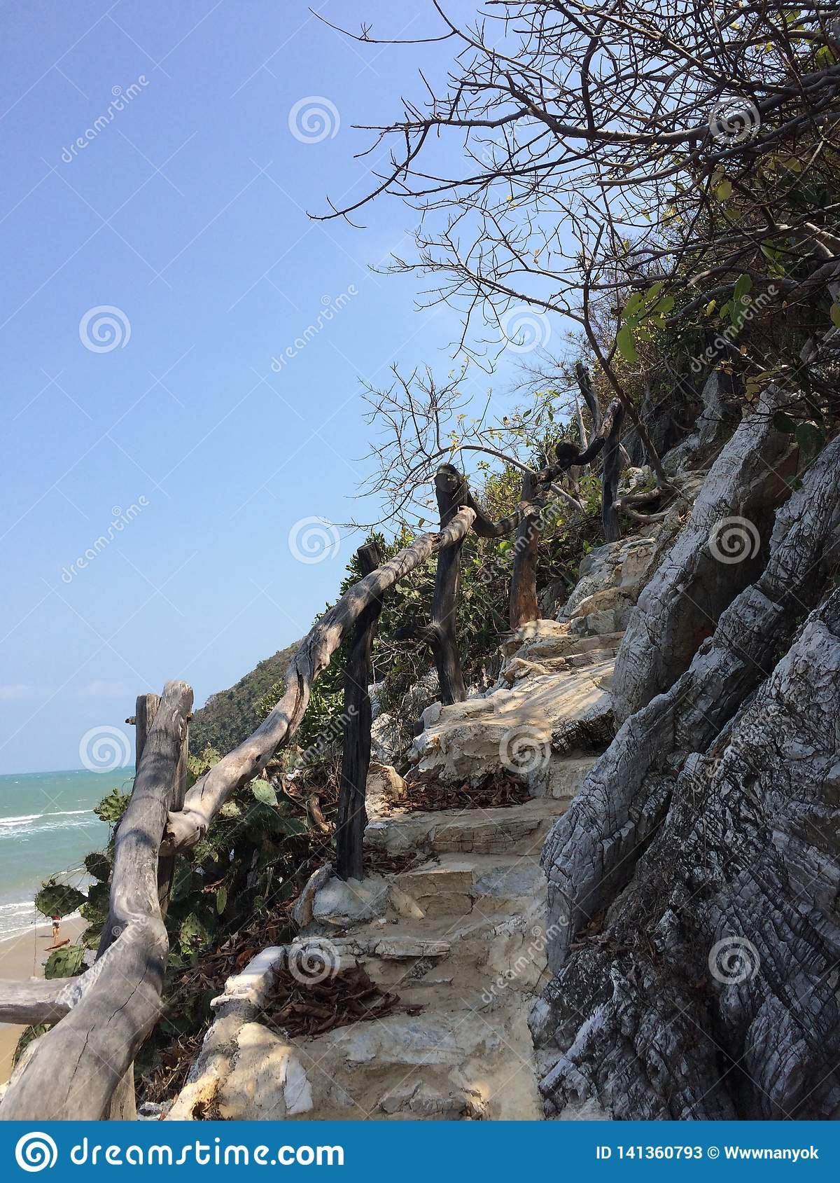 Montanha do crânio de Khao Kalok