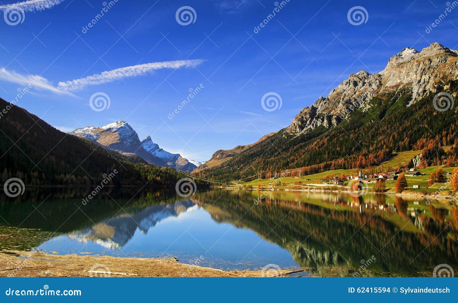 Montanha Lake