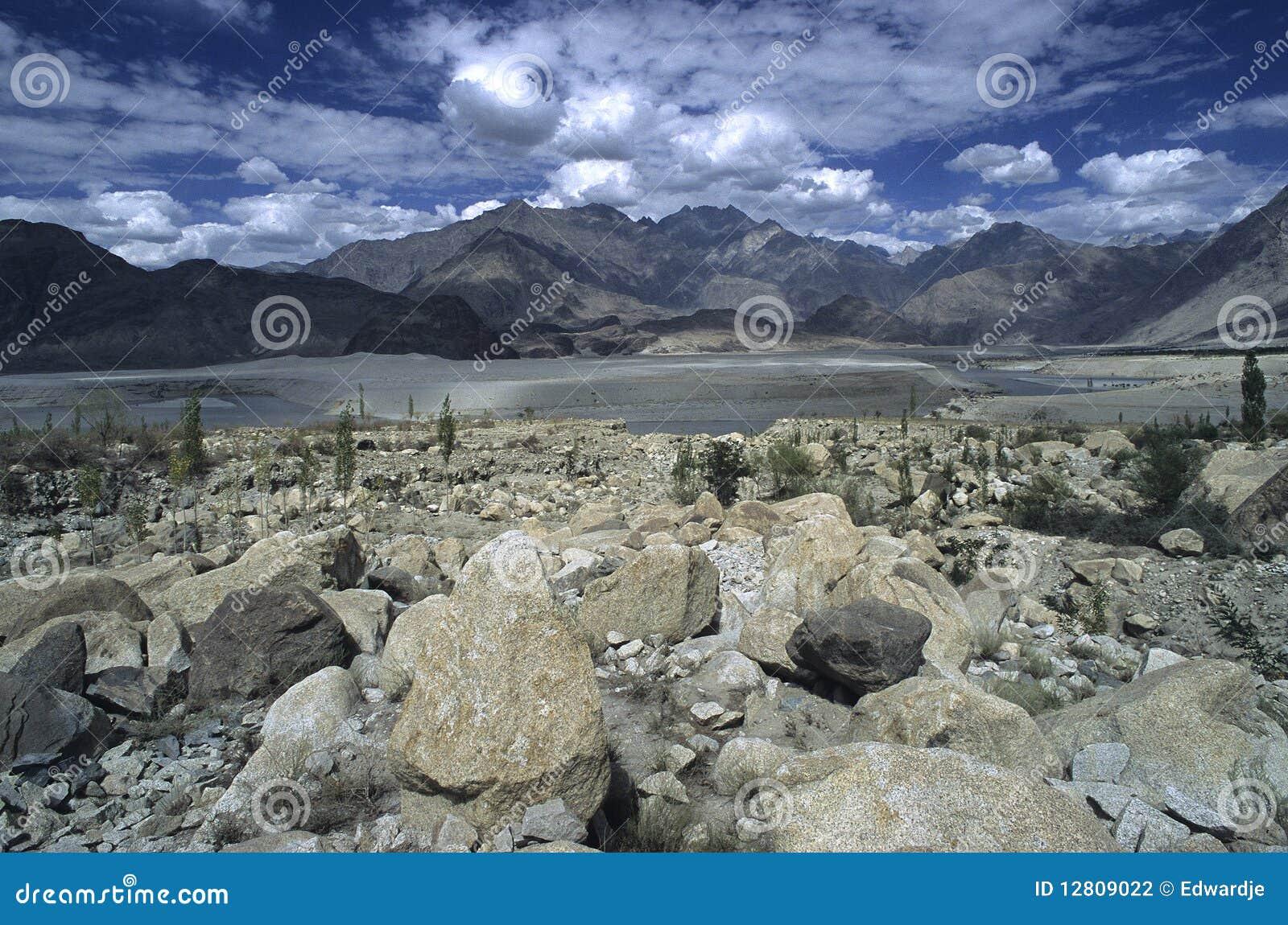 Montanhas 4 de Paquistão