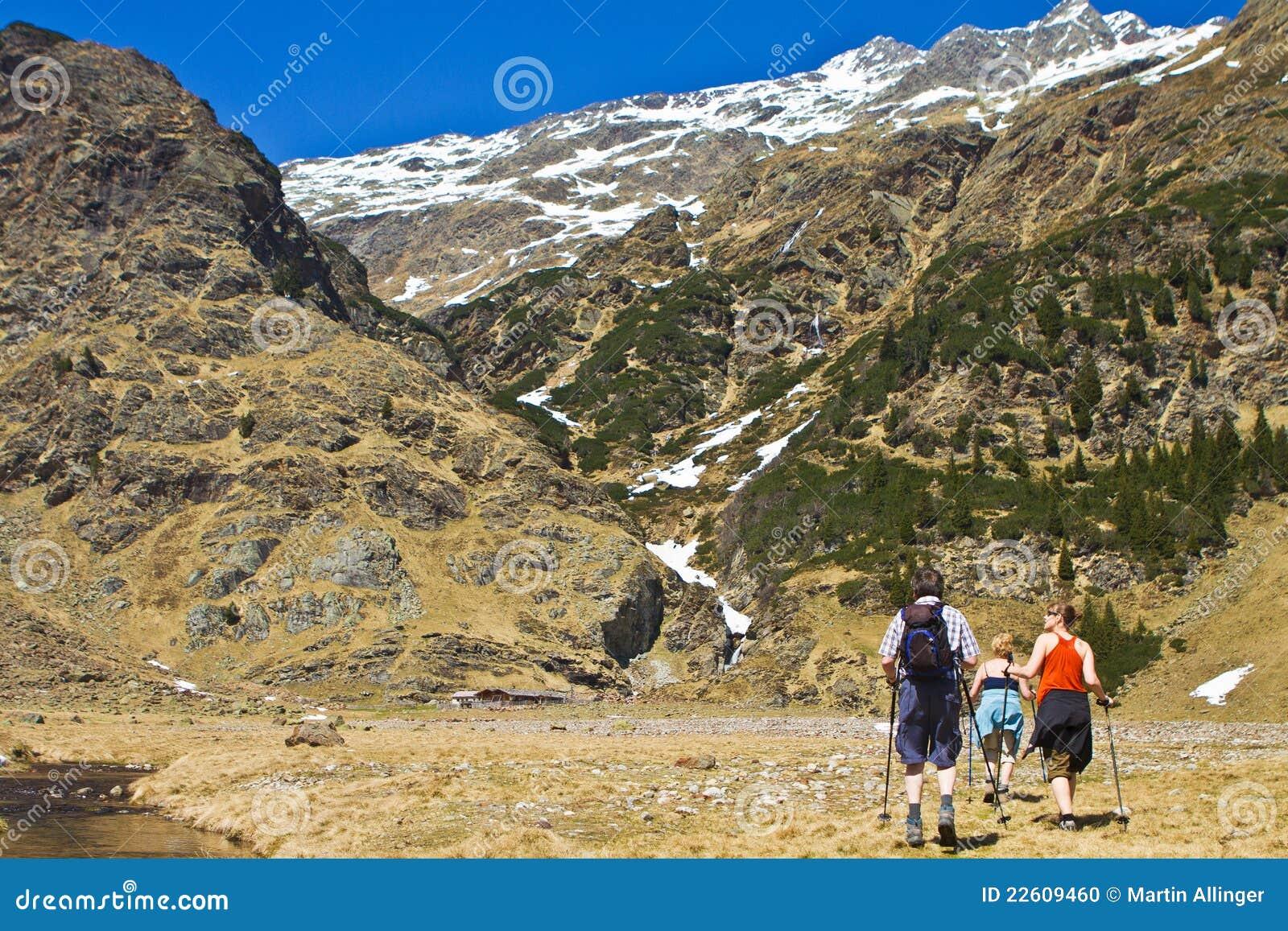 Montanhas bonitas e paisagem georgous