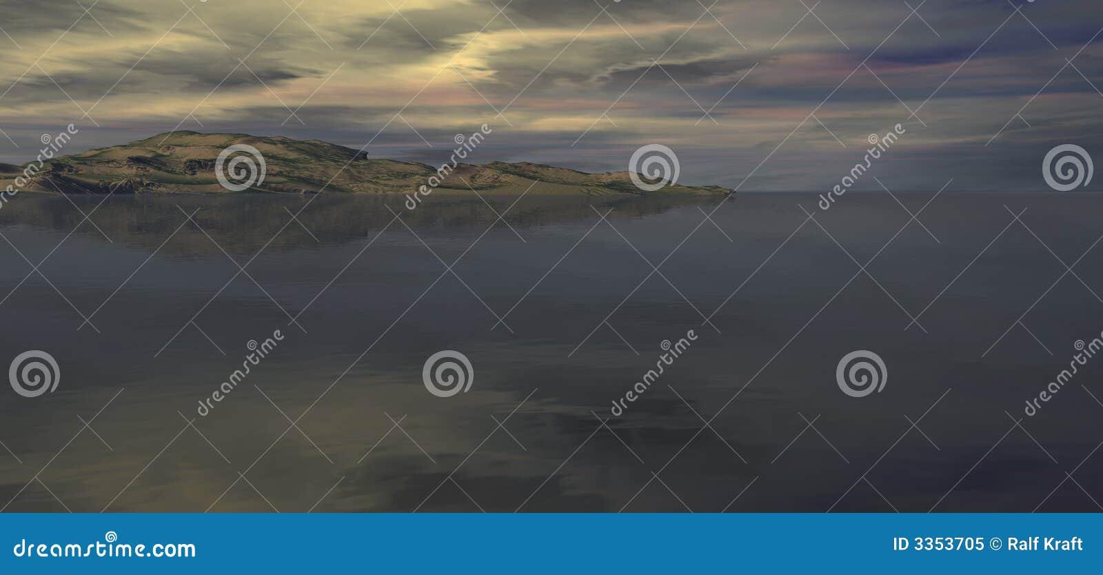 Montanhas e cloudscape do mar