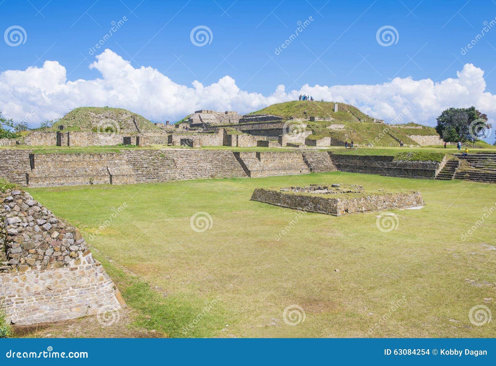 Download Monte Alban image stock éditorial. Image du colombien - 63084254