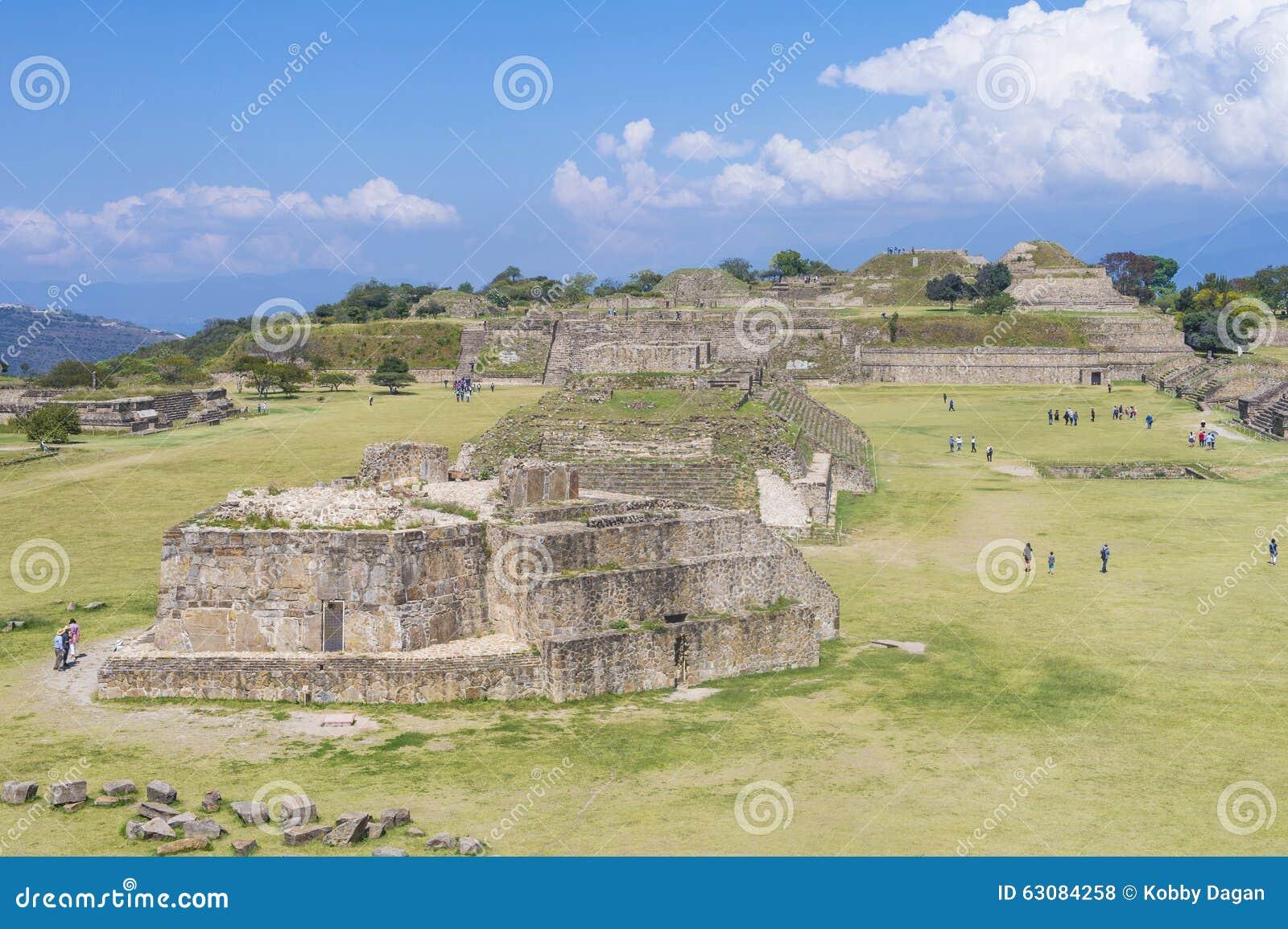 Download Monte Alban photo stock éditorial. Image du pierres, autel - 63084258