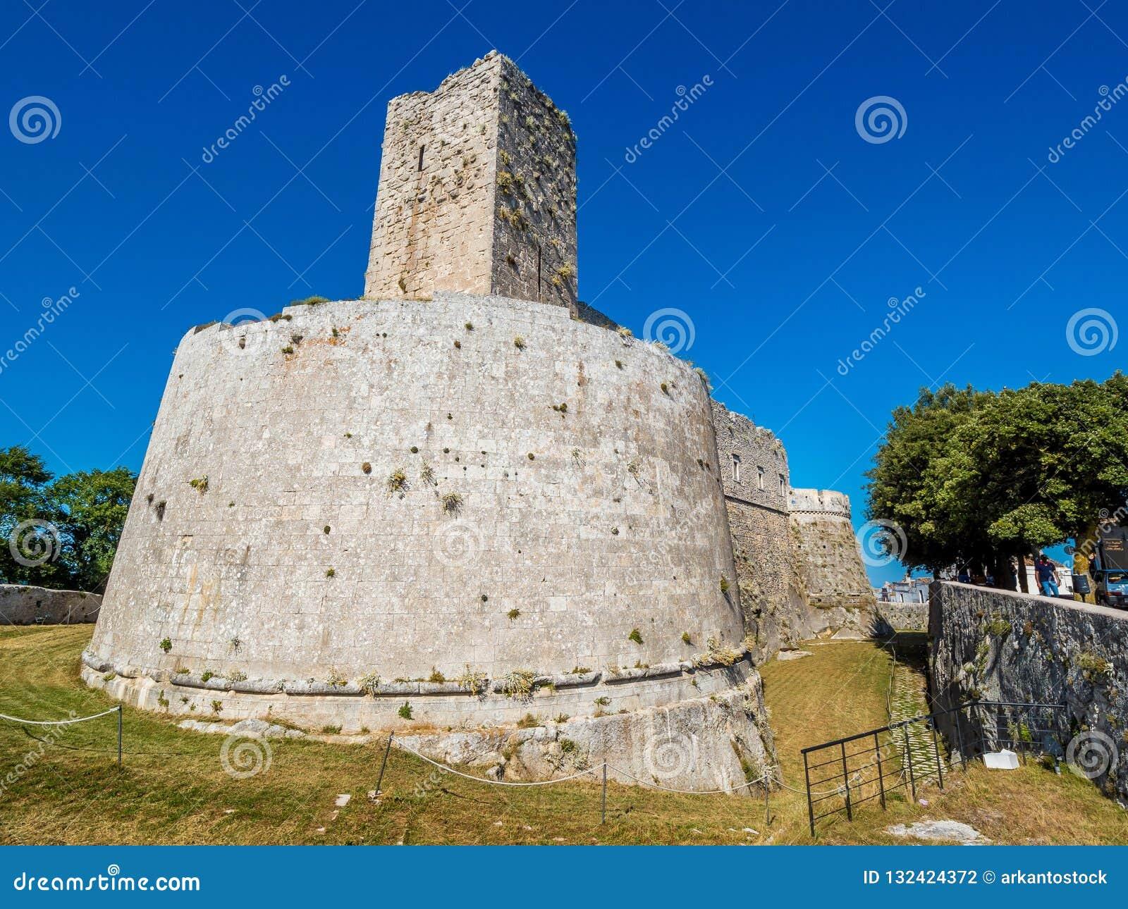 Monte Sant Angelo, región de Apulia, Italia, conocida para el santo Michael Archangel Sanctuary