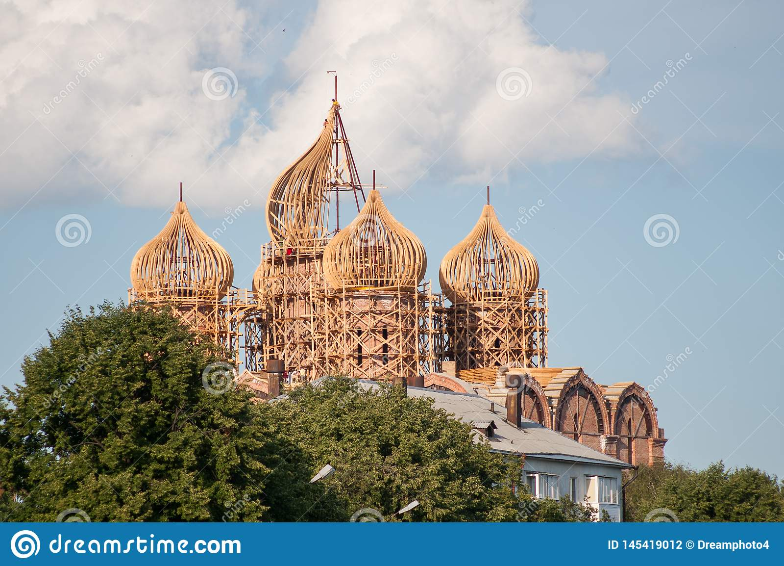 Montering av kupolkyrkan