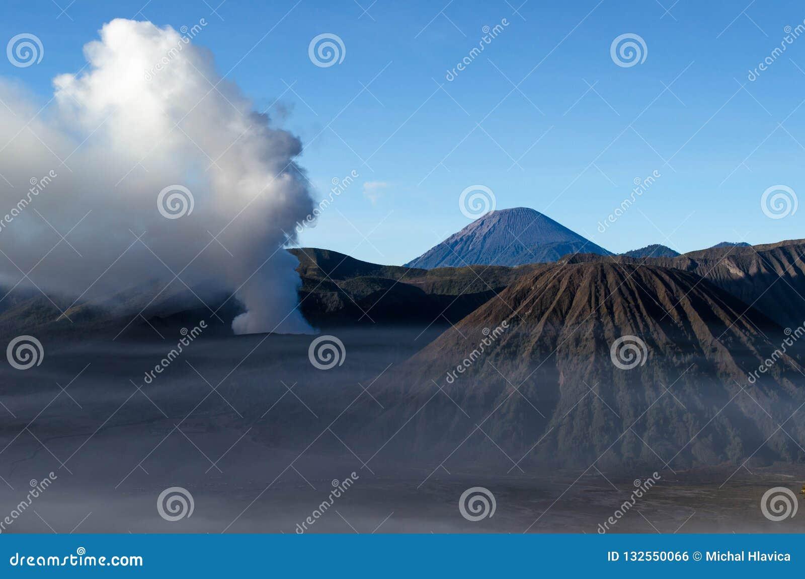 MonteringsBromo aktiv vulkan i East Java, Indonesien