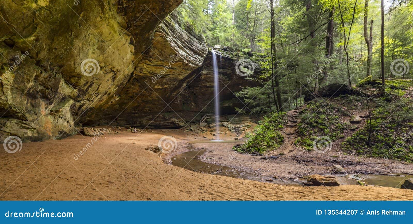 Montes de Hocking, cachoeira, natureza no seu melhor, caminhando