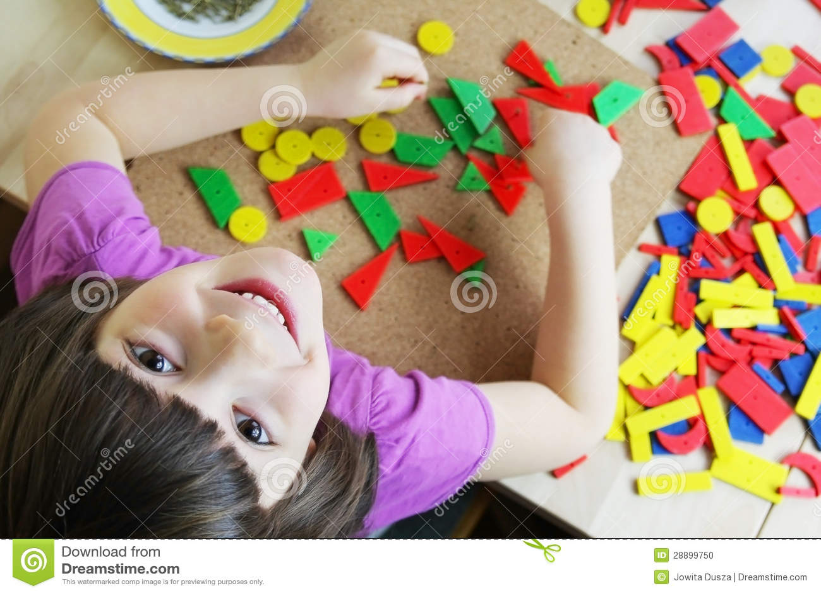Montessori难题。 幼稚园。